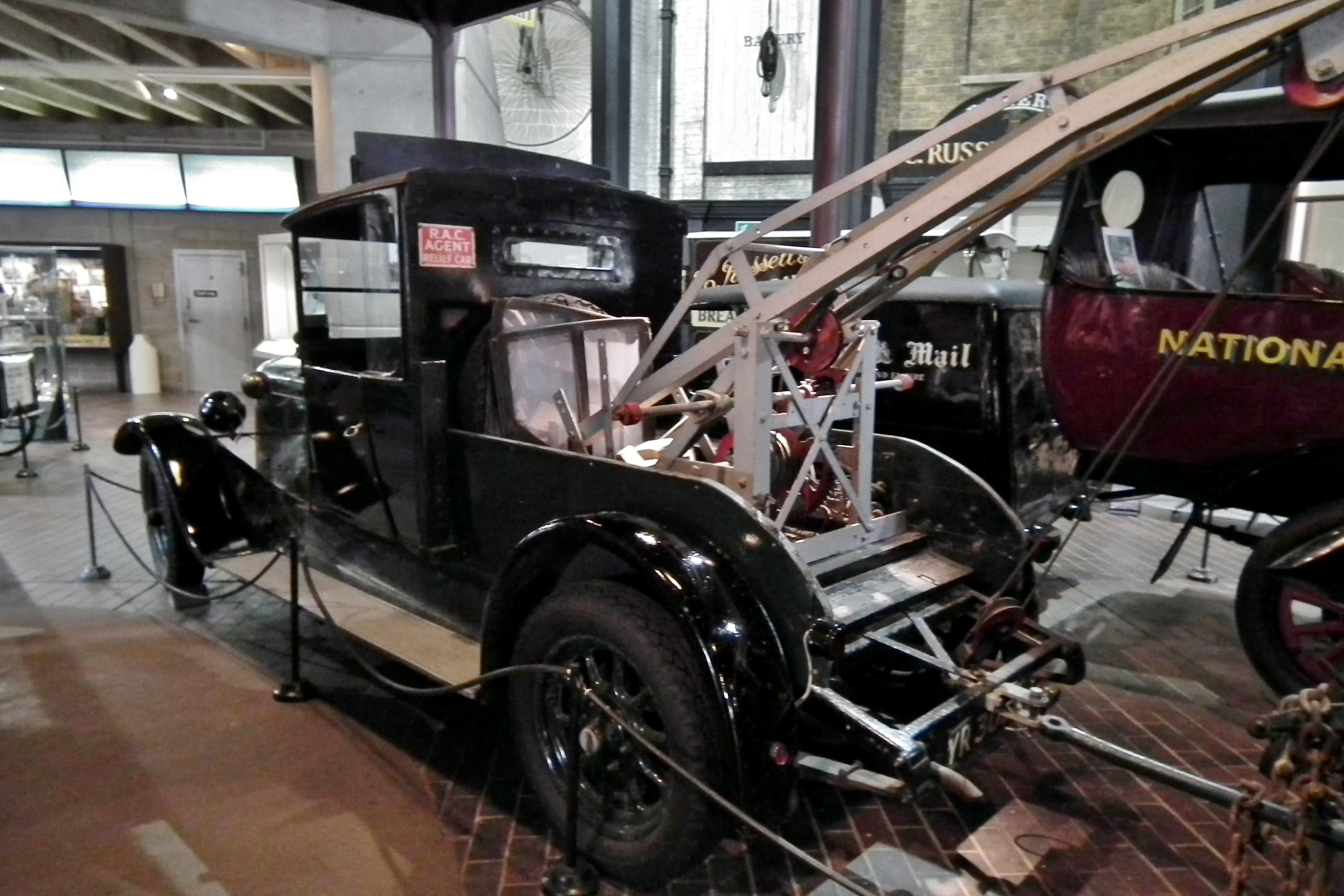File:1926 Austin Tow Truck