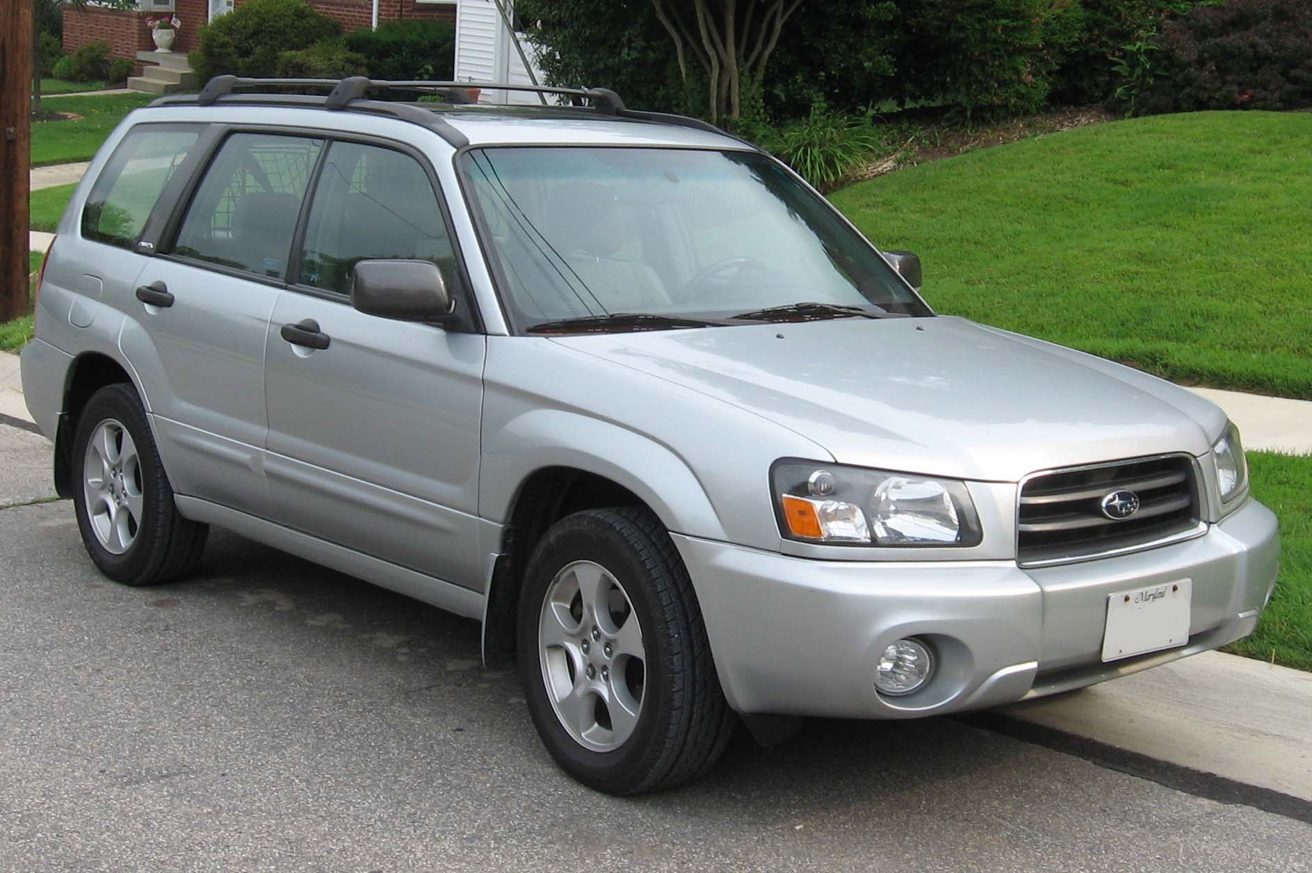 Description 2003-2005 Subaru Forester XS.jpg