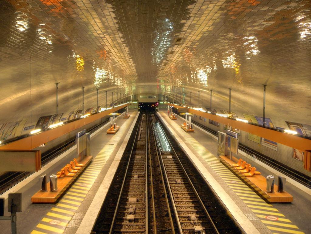 File 2251572276 Bf04e47333 B Metro De Parie Ligne 8 Porte De Charenton Jpg