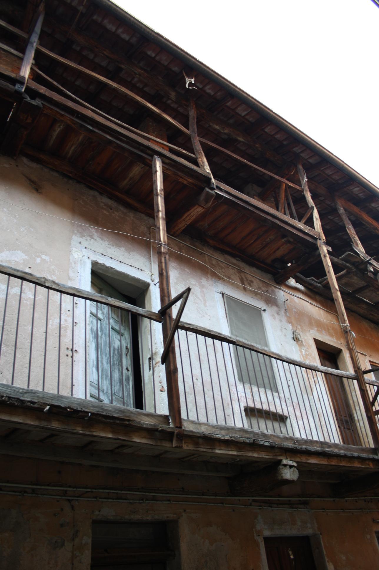 Wooden balconies joy studio design gallery best design for Balcony definition