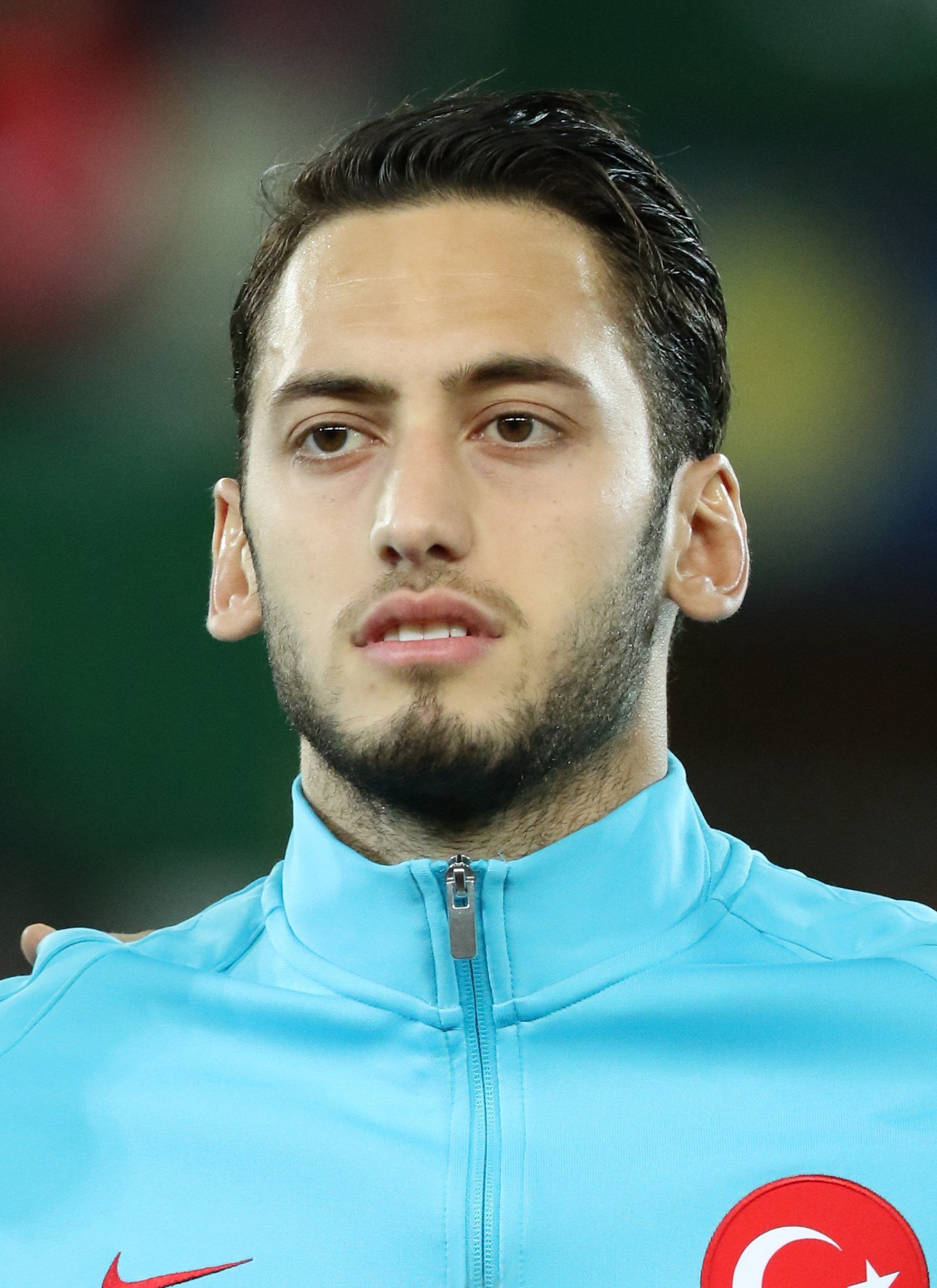 The 24-year old son of father Huseyin Çalhanoğlu and mother(?) Hakan Çalhanoğlu in 2018 photo. Hakan Çalhanoğlu earned a  million dollar salary - leaving the net worth at 11.8 million in 2018