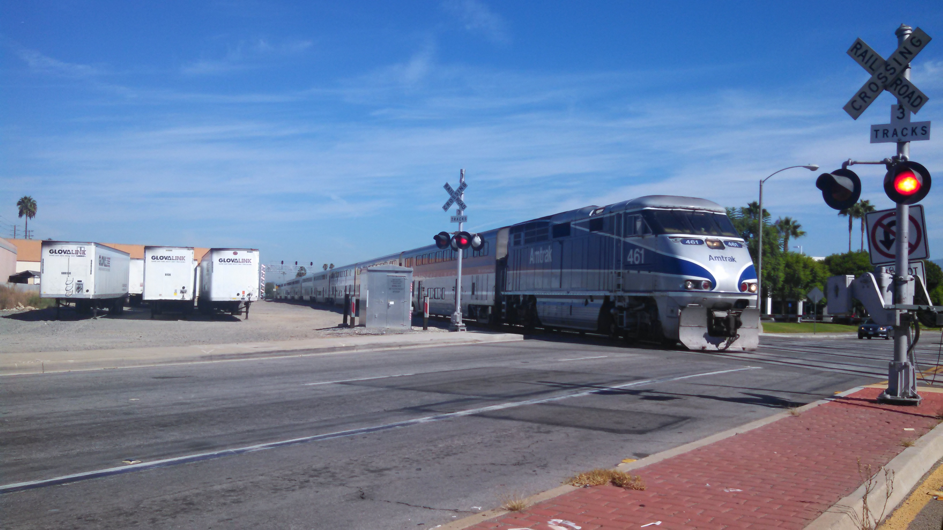 File:Amtrak train passing on BNSF tracks in Santa Fe Springs