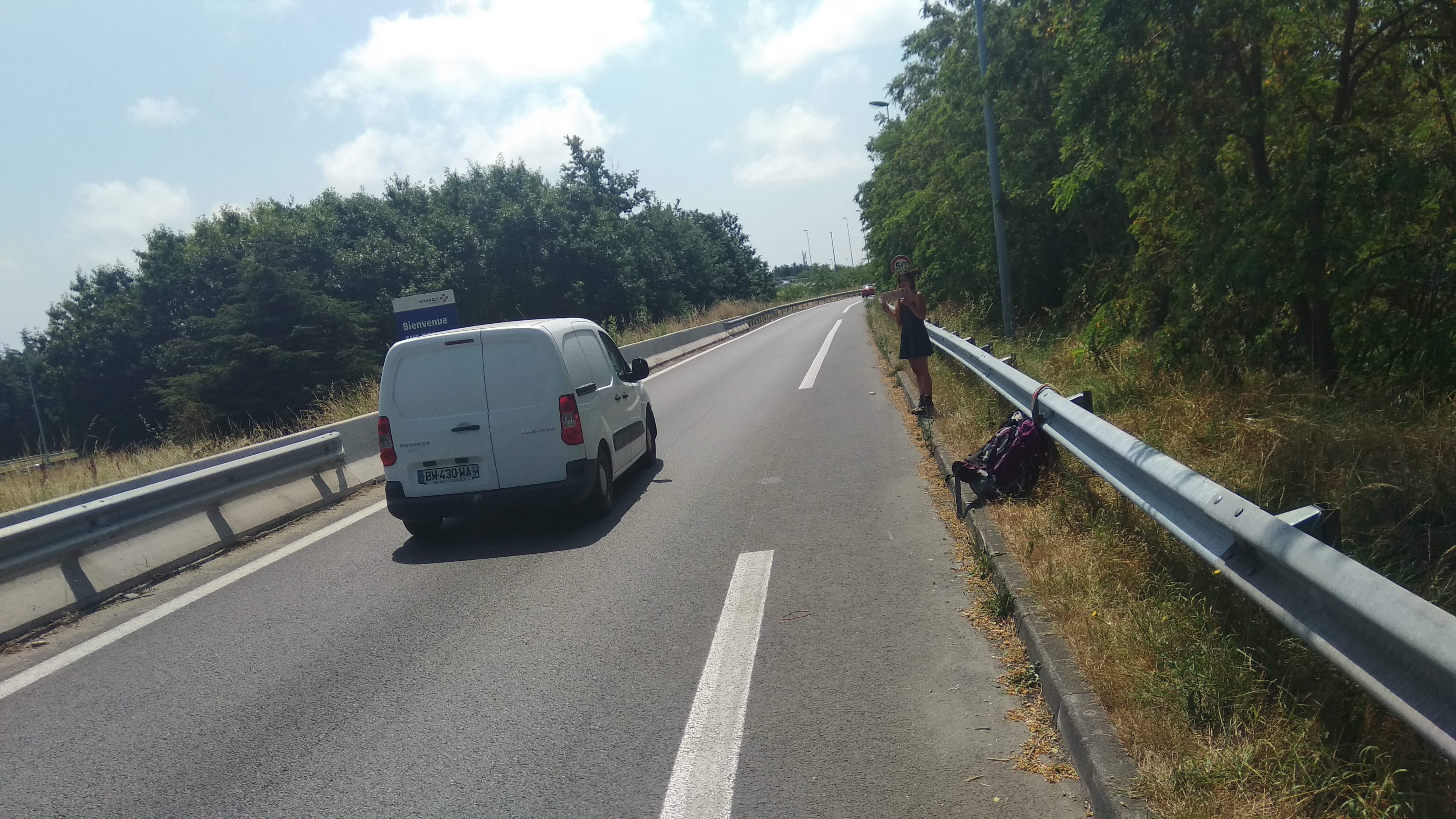 Auto-stop Toulouse direction Carcassonne hitch-hiking Cassandre.jpg