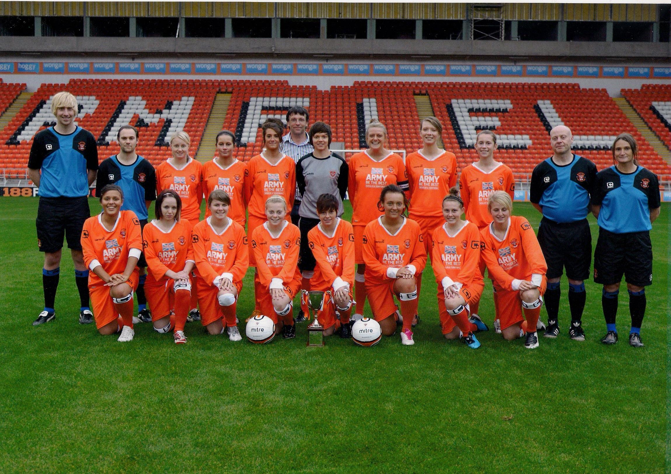 File:Blackpool FC Ladies 2010-2011.jpg - Wikimedia Commons