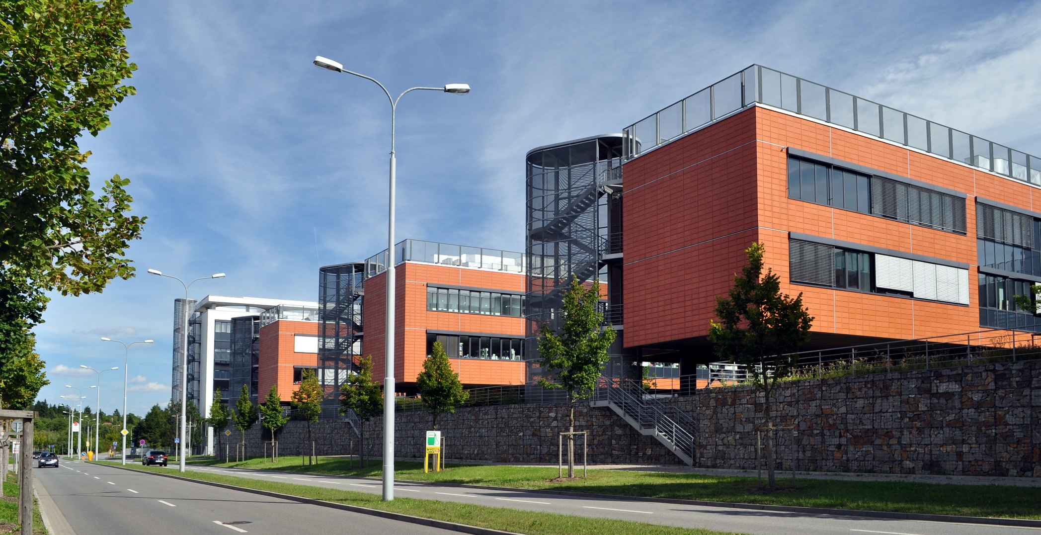 Brno_-_Masaryk_University_Campus_II.jpg