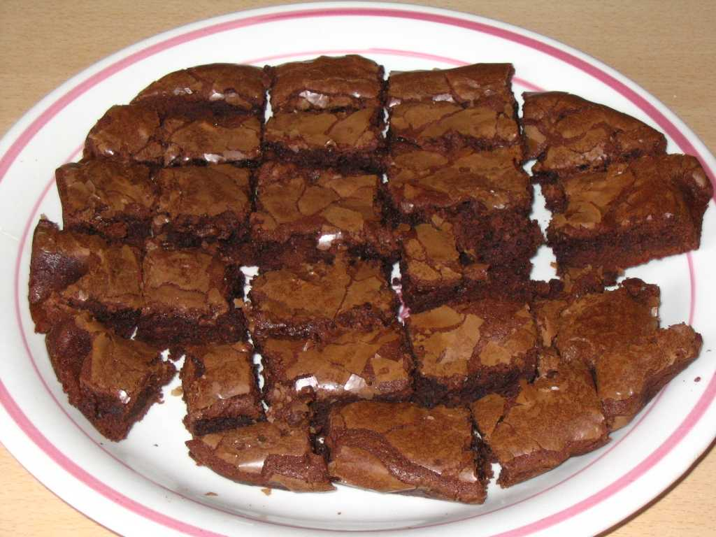 File:Brownies.jpg - Wikimedia Commons