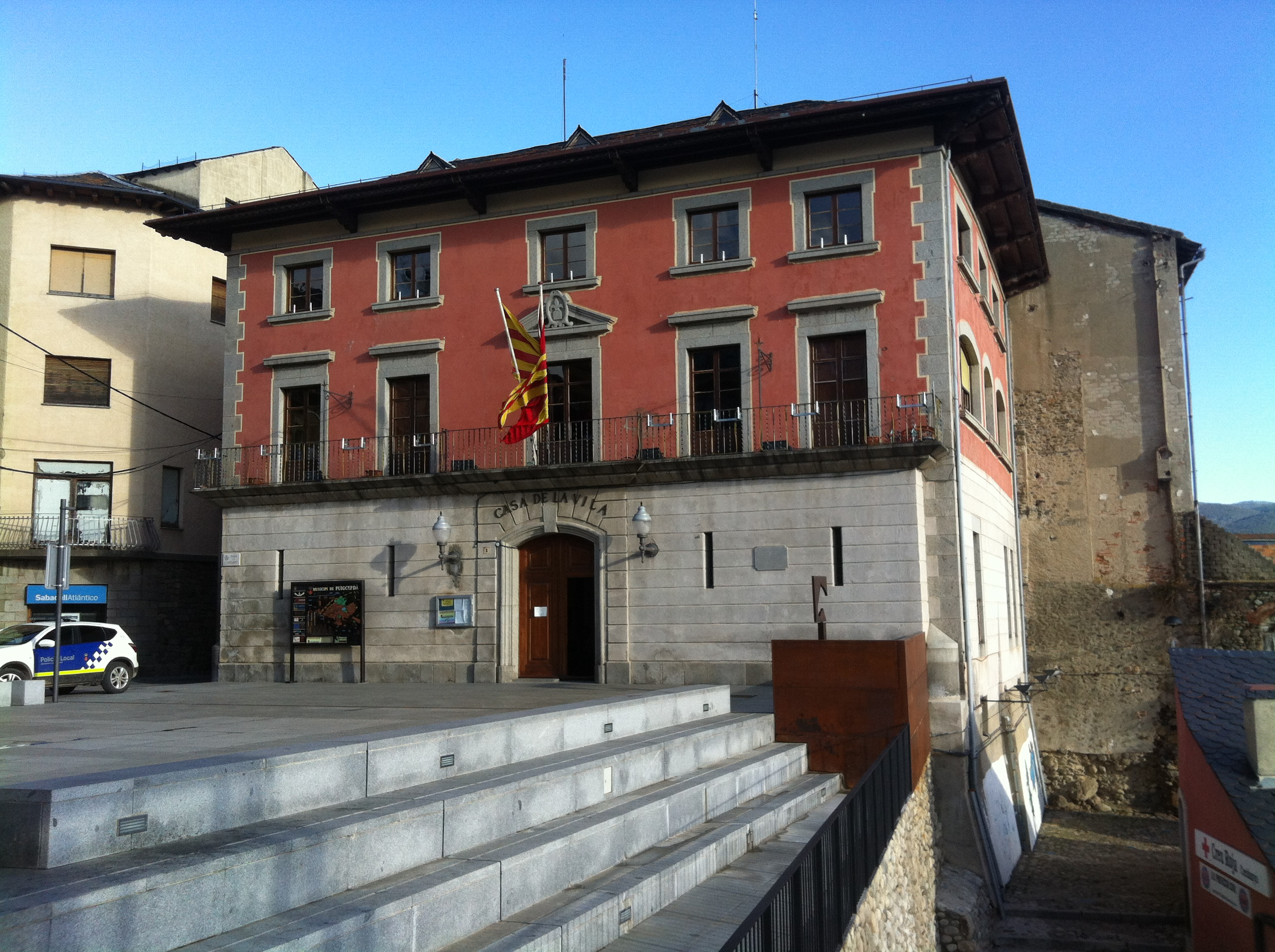 File casa de la vila de puigcerd jpg wikimedia commons - Casas en puigcerda ...