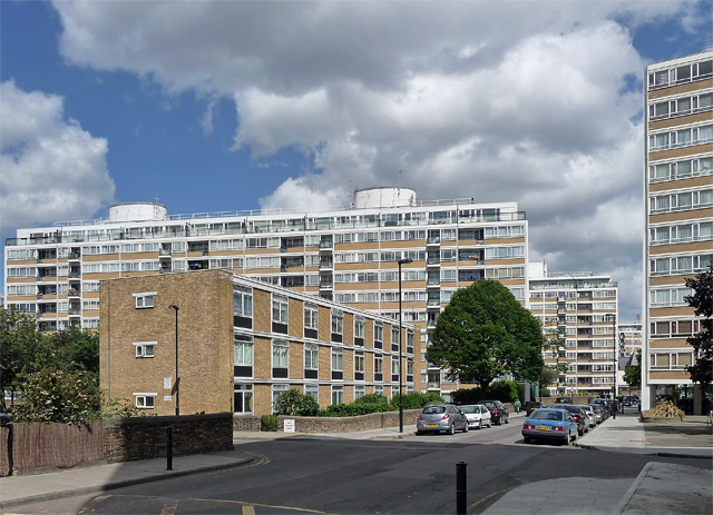 Churchill Gardens W Jn Room Rental