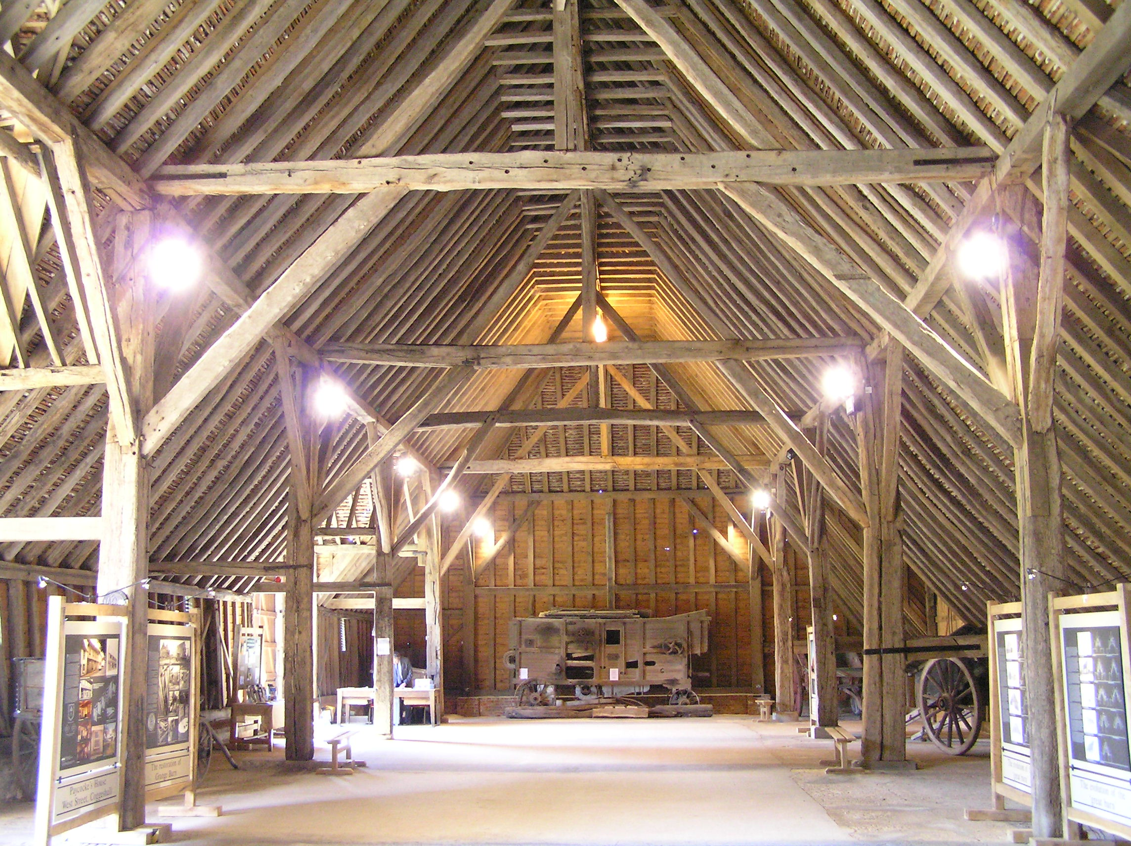 File:Coggeshall-Grange barn (inside looking north).JPG ...