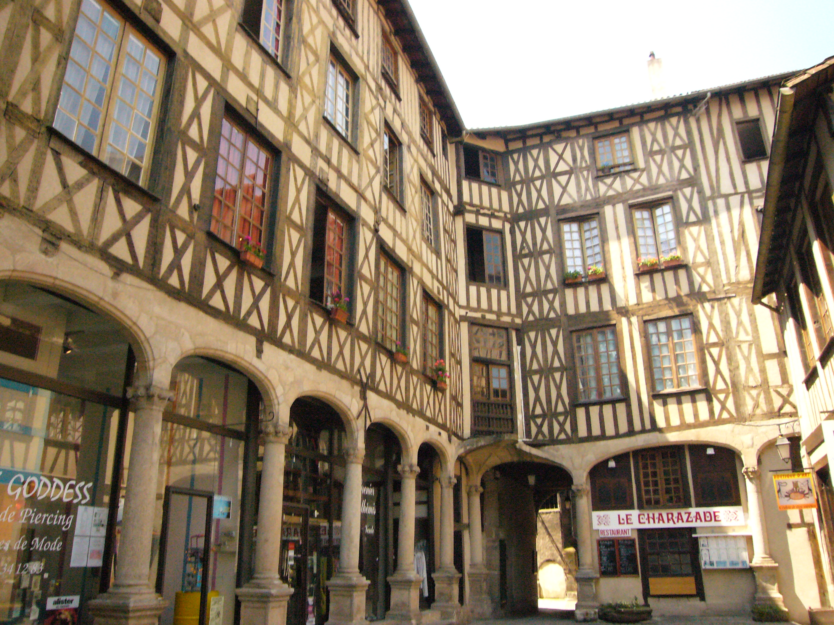 file cour du temple limoges jpg wikimedia commons