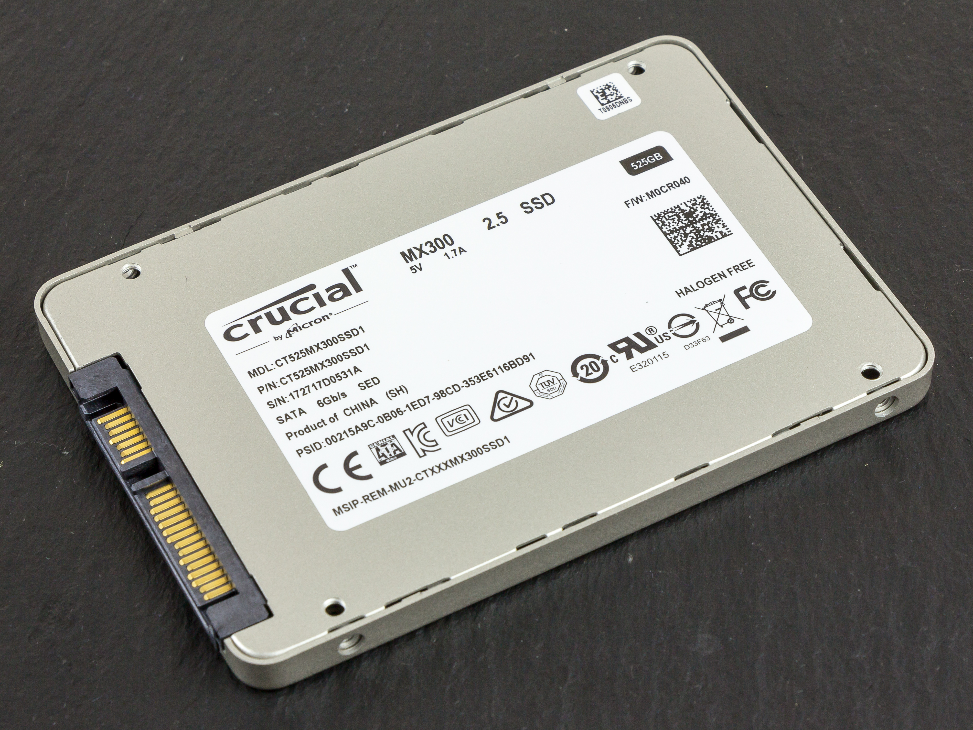 https://upload.wikimedia.org/wikipedia/commons/d/d7/Crucial_SSD_MX300_525GB-8479.jpg