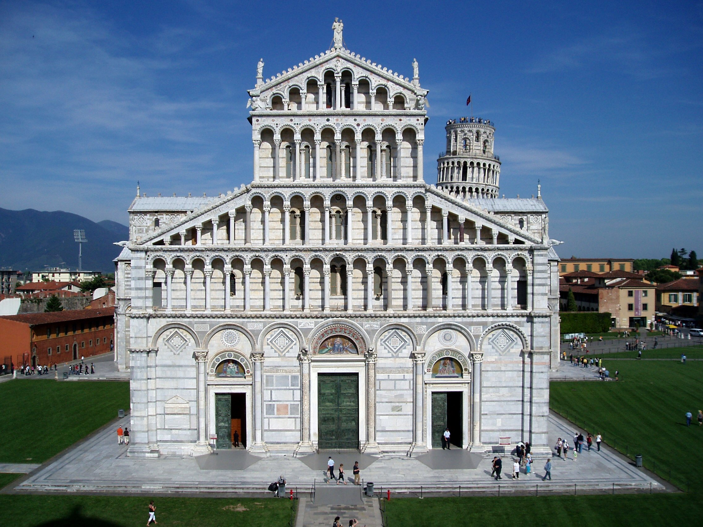 description of pisa italy essay A little larger than the state of arizona with 301,230 sq km, italy is located in southern europe, and extends its boot shape into the central mediterranean sea rome, the national capital, is located in the center of the country.