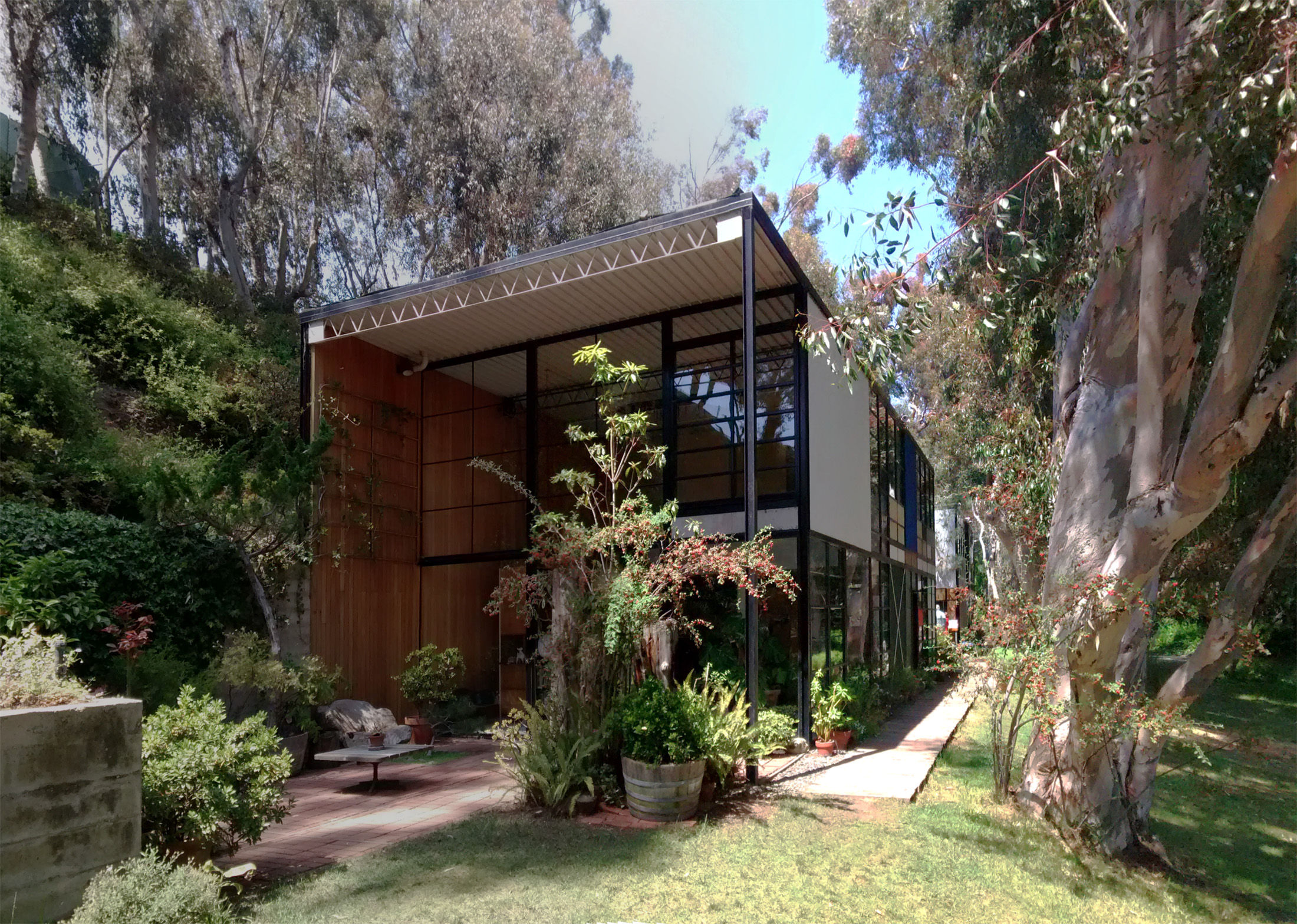 california eames house essay 21 books about charles and ray eames june 17,  california design  they have looked after the house of charles and ray eames since the designers' deaths and.