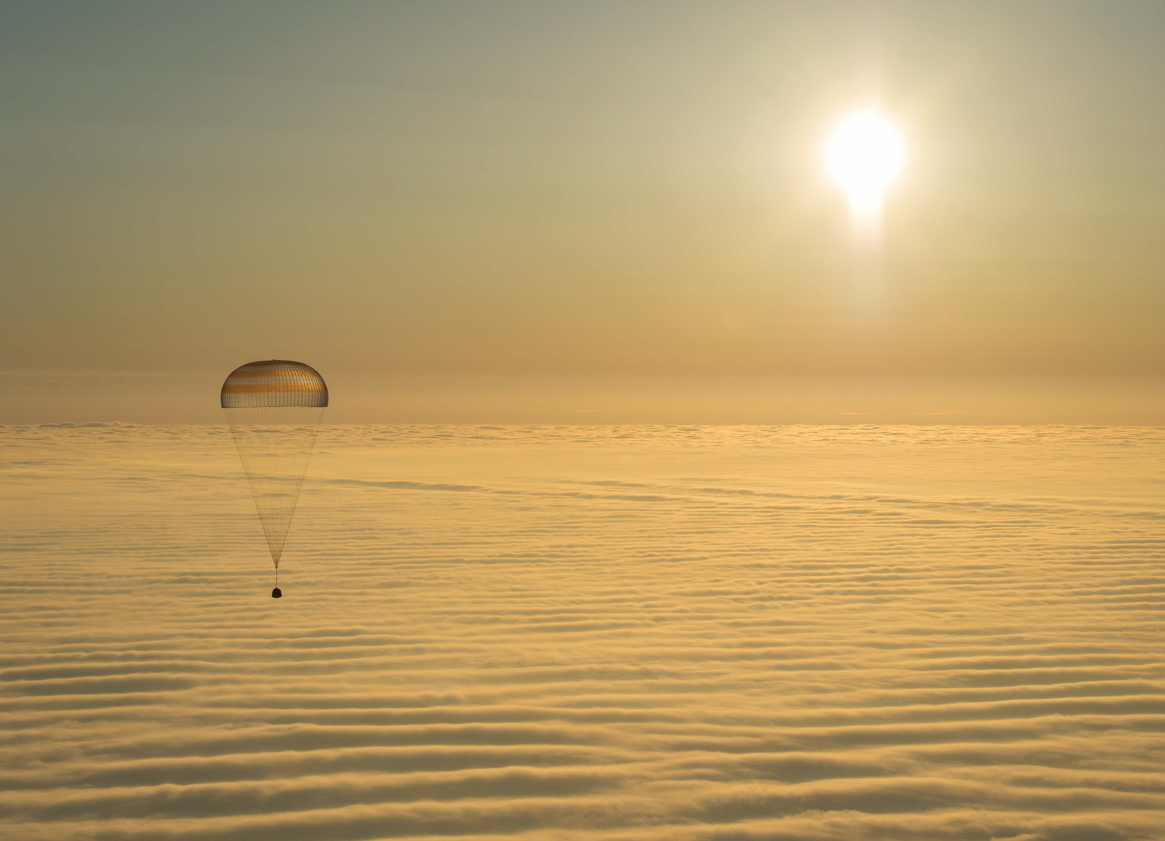Aerospace Engineering Wikipedia E Plan Electrical Training Soyuz Tma 14m Spacecraft Engineered For Descent By Parachute