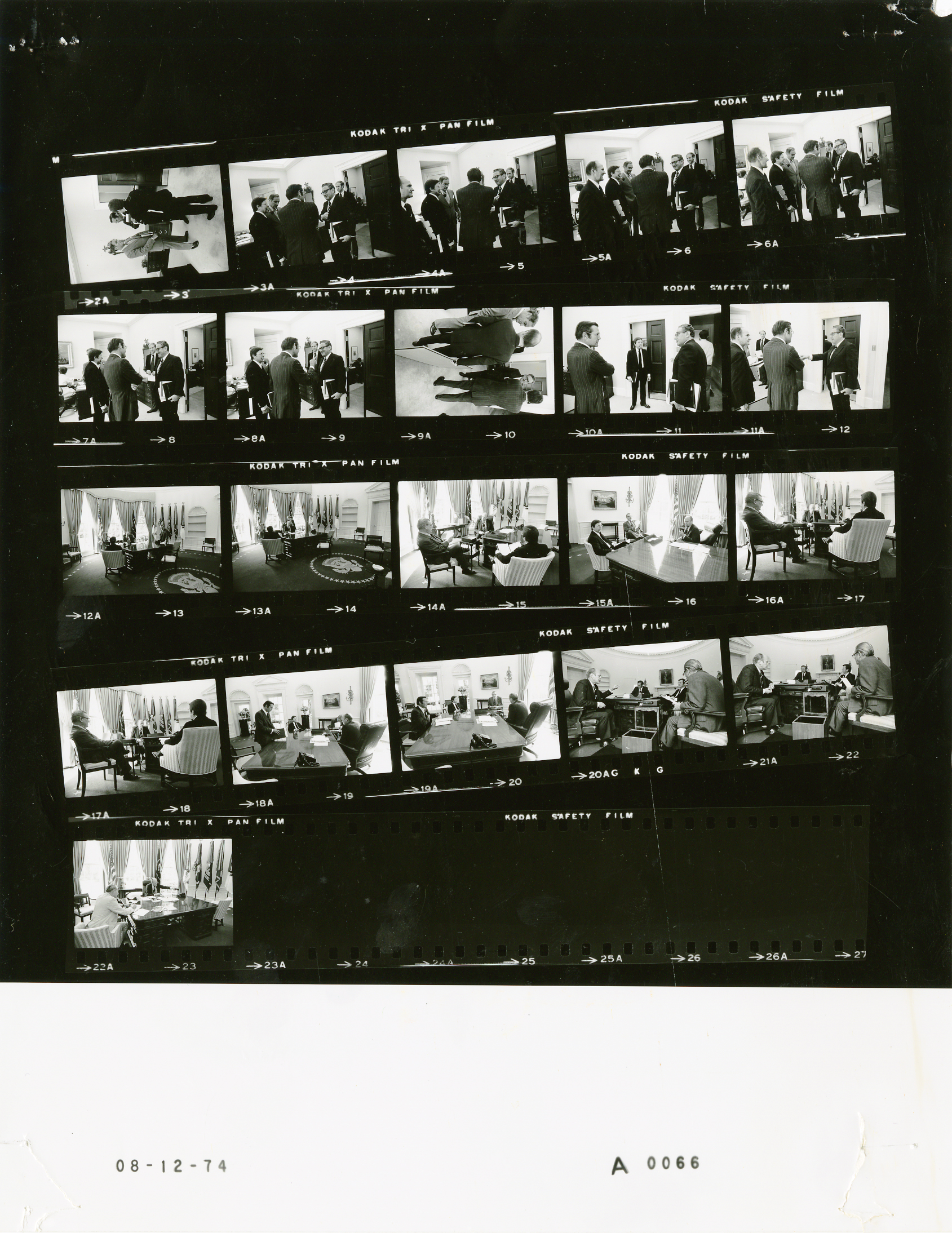File:Ford A0066 NLGRF photo contact sheet (1974-08-12)(Gerald Ford ...