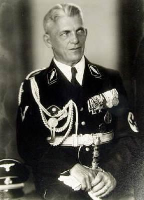 Friedrich von Reitzenstein (SS).jpg