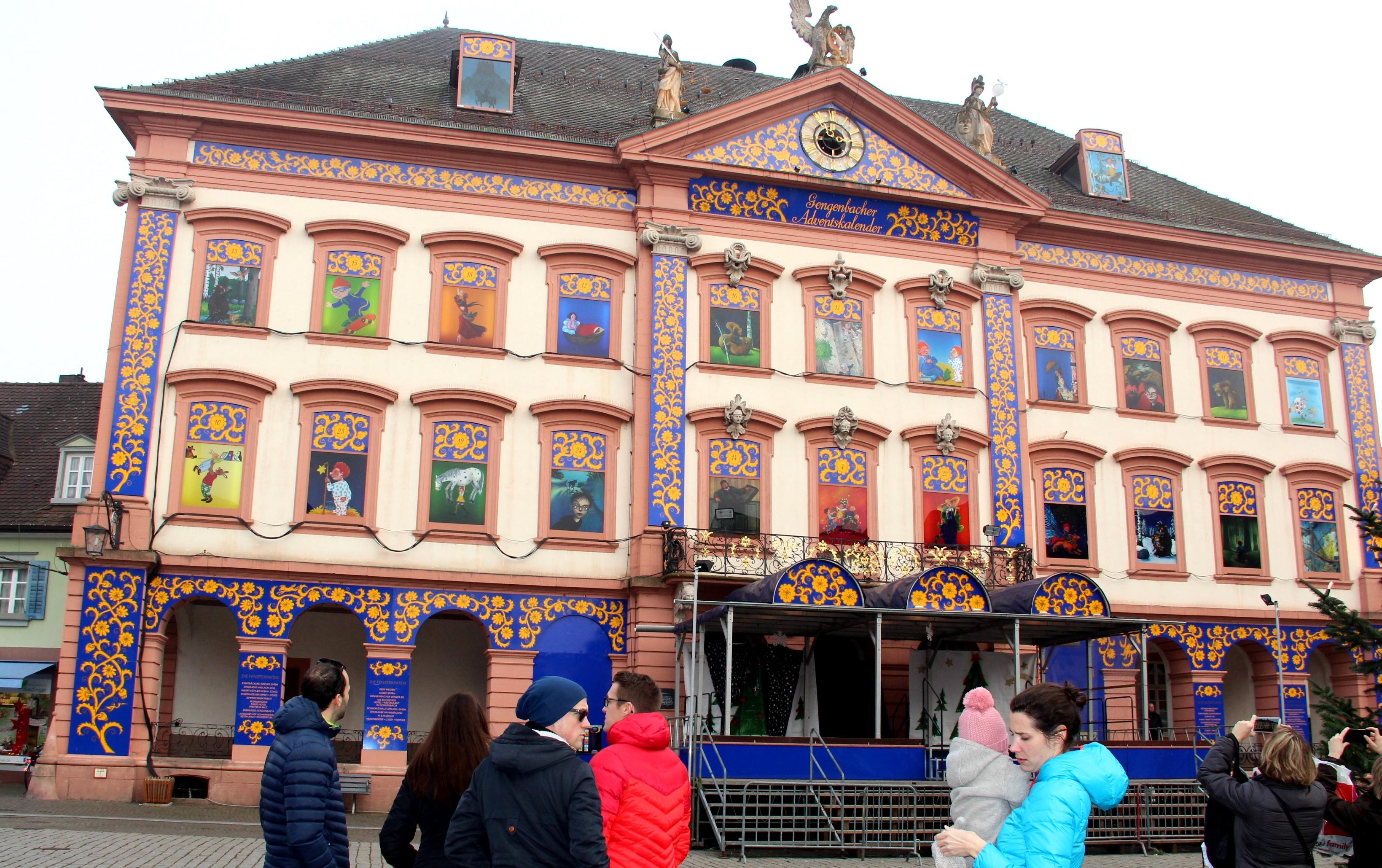 Weihnachtskalender Wiki.File Gengenbacher Adventskalender Germany Jpg Wikimedia Commons