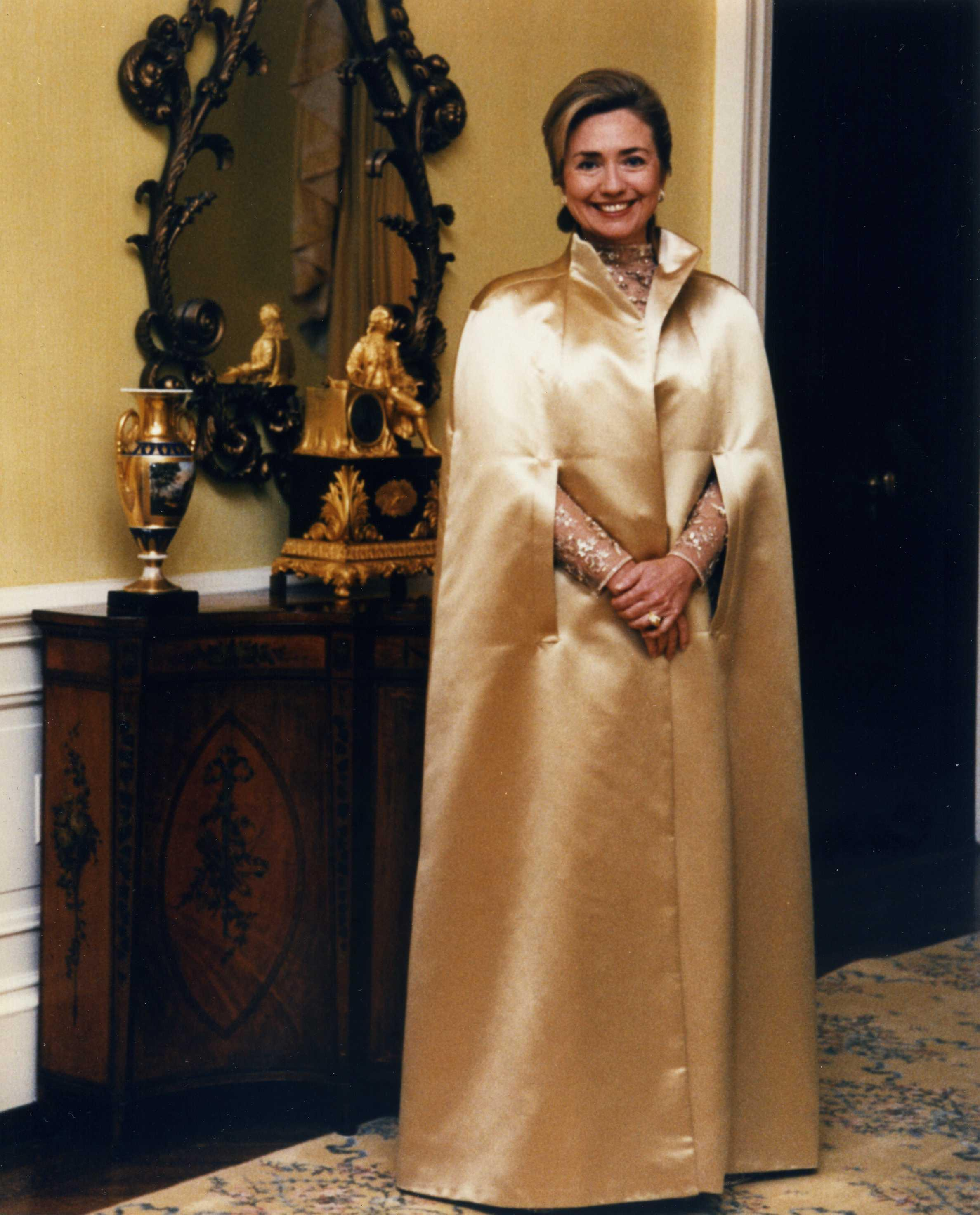 File:Hillary Clinton at the 1992 Inaugural Ball.jpg - Wikimedia Commons
