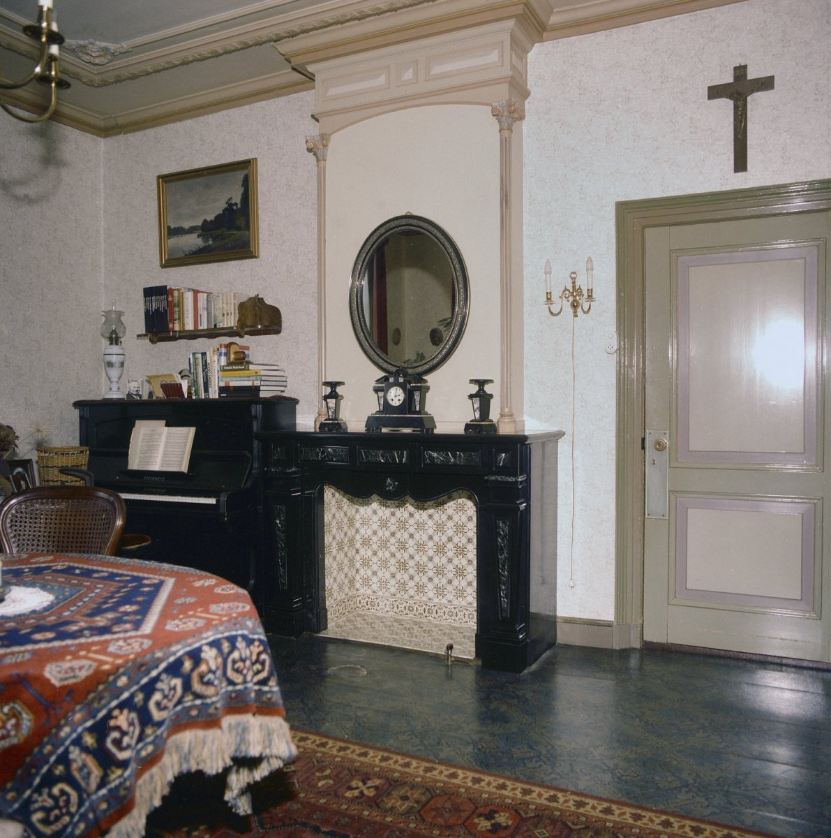File interieur woonkamer met schouw bodegraven for Interieur woonkamer