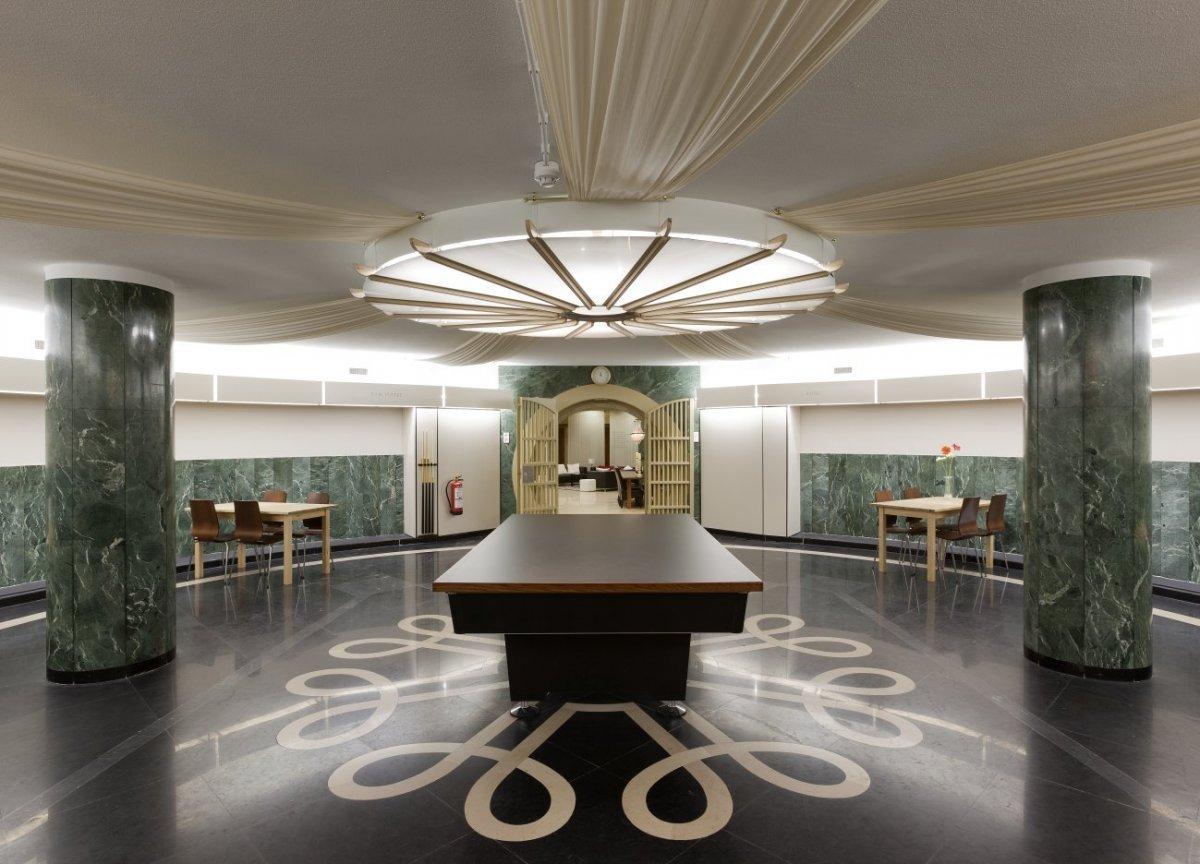 File:Interieur, kelder, overzicht van de ronde safedeposit, met ...