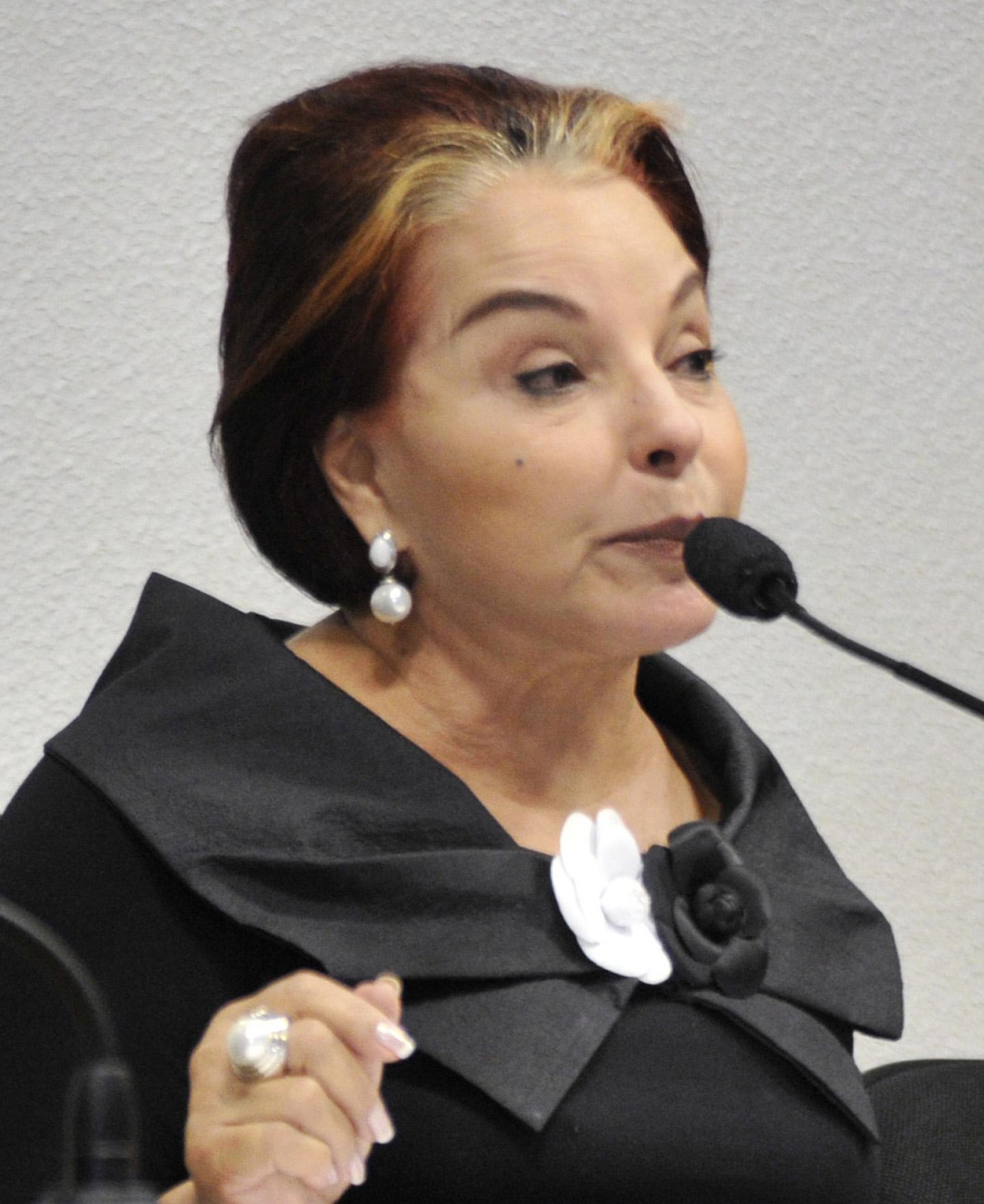 Veja o que saiu no Migalhas sobre Iris de Araújo