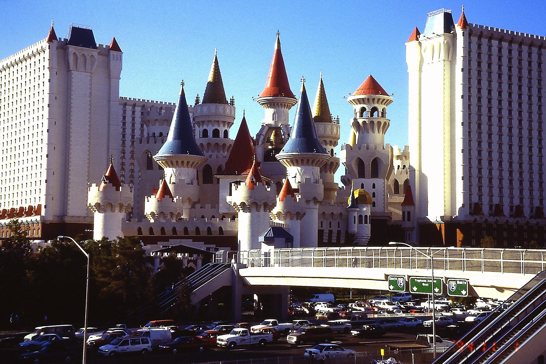 Las Vegas 94 >> File Las Vegas Excalibur Ne W Tropicana Av Pict0095 19941101