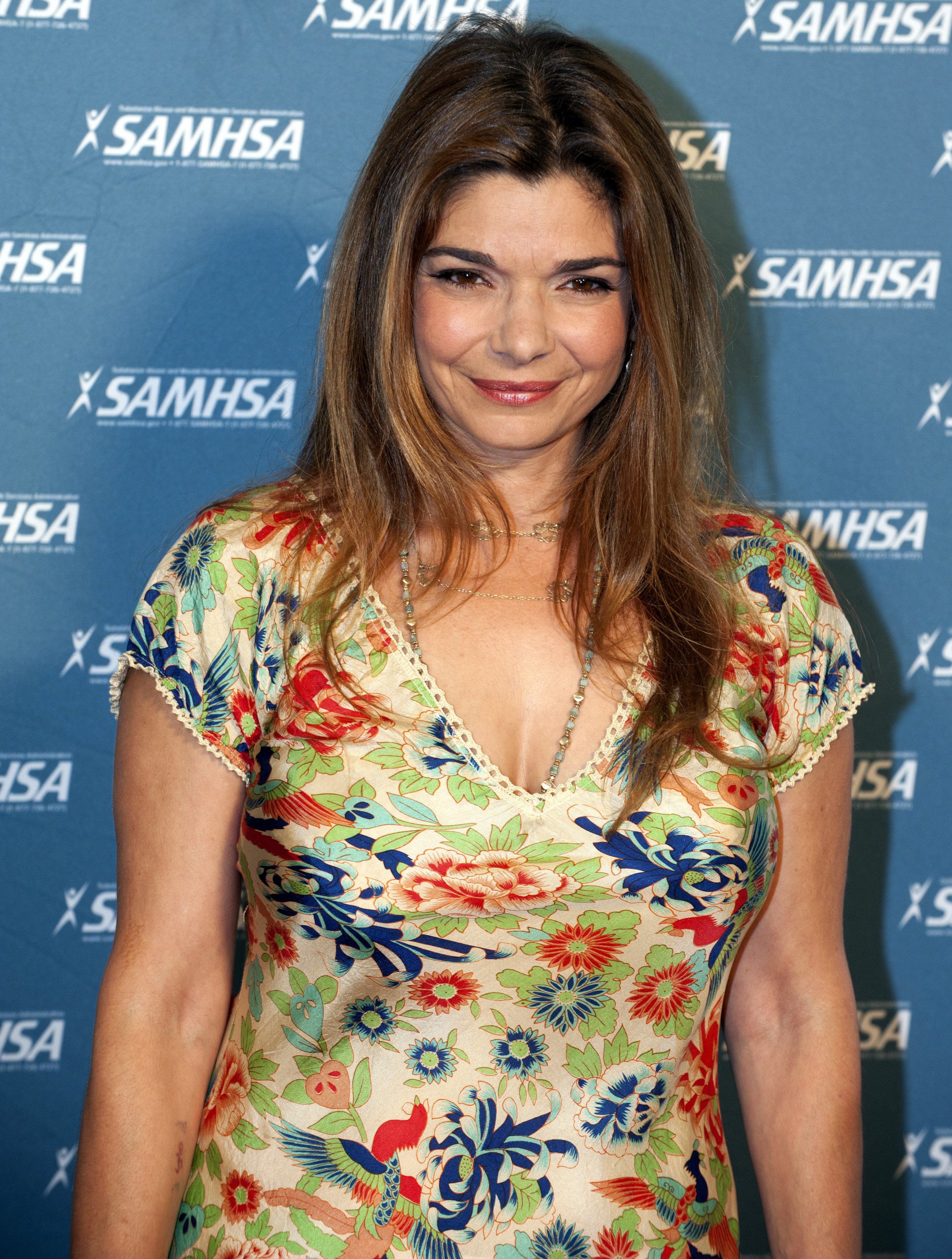 The 55-year old daughter of father John San Giacomo and mother MaryJo San Giacomo Laura San Giacomo in 2018 photo. Laura San Giacomo earned a  million dollar salary - leaving the net worth at 6 million in 2018