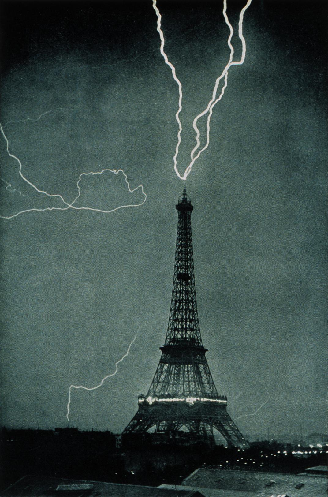 Эйфелева башня как громоотвод