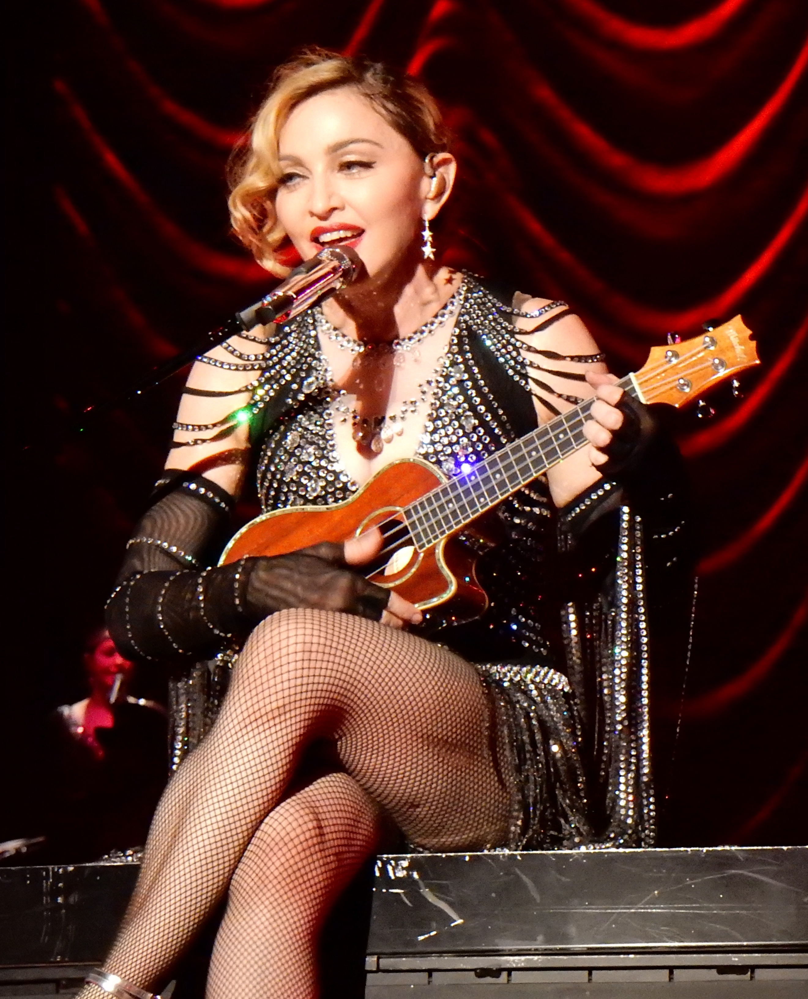 File:Madonna - Rebel Heart Tour Cologne 2 (22851518577) (cropped)2 ...