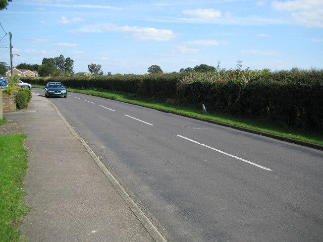 File:Moneyrow Green - geograph.org.uk - 1032790.jpg