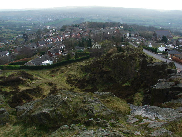 Mow Cop Quarry and Village - geograph.org.uk - 124643
