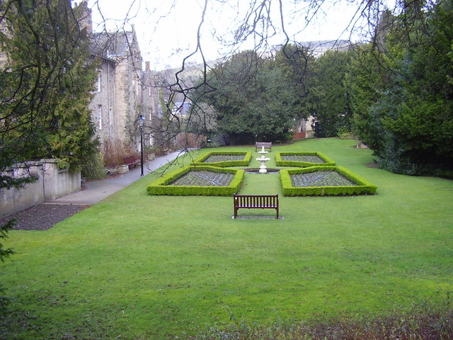 File:Old Gala House - The Gardens - geograph.org.uk - 704848.jpg ...