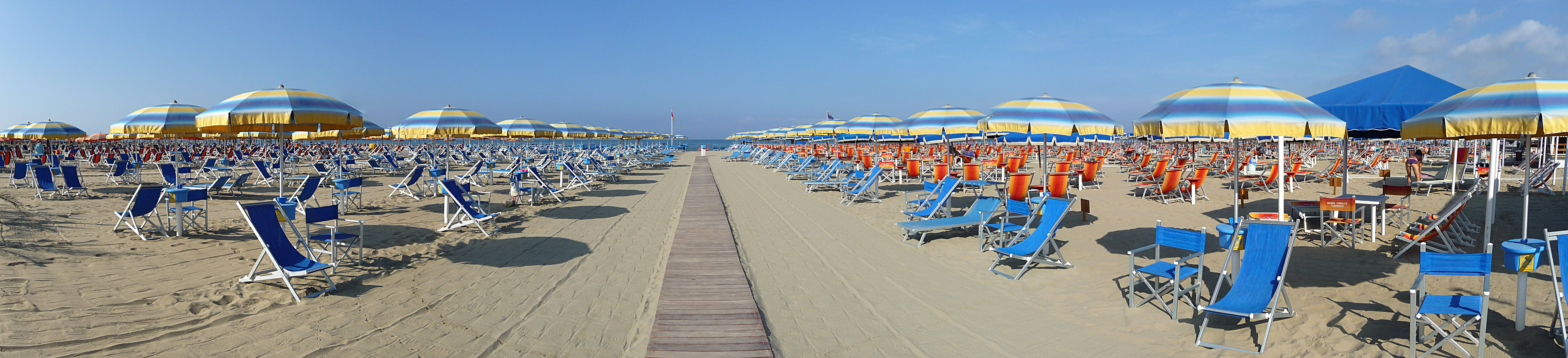 File panoramica bagno roma wikimedia commons - Bagno amedea viareggio ...