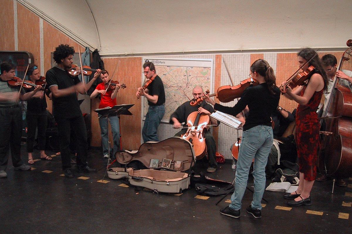 Paris Metro orchestra.jpg