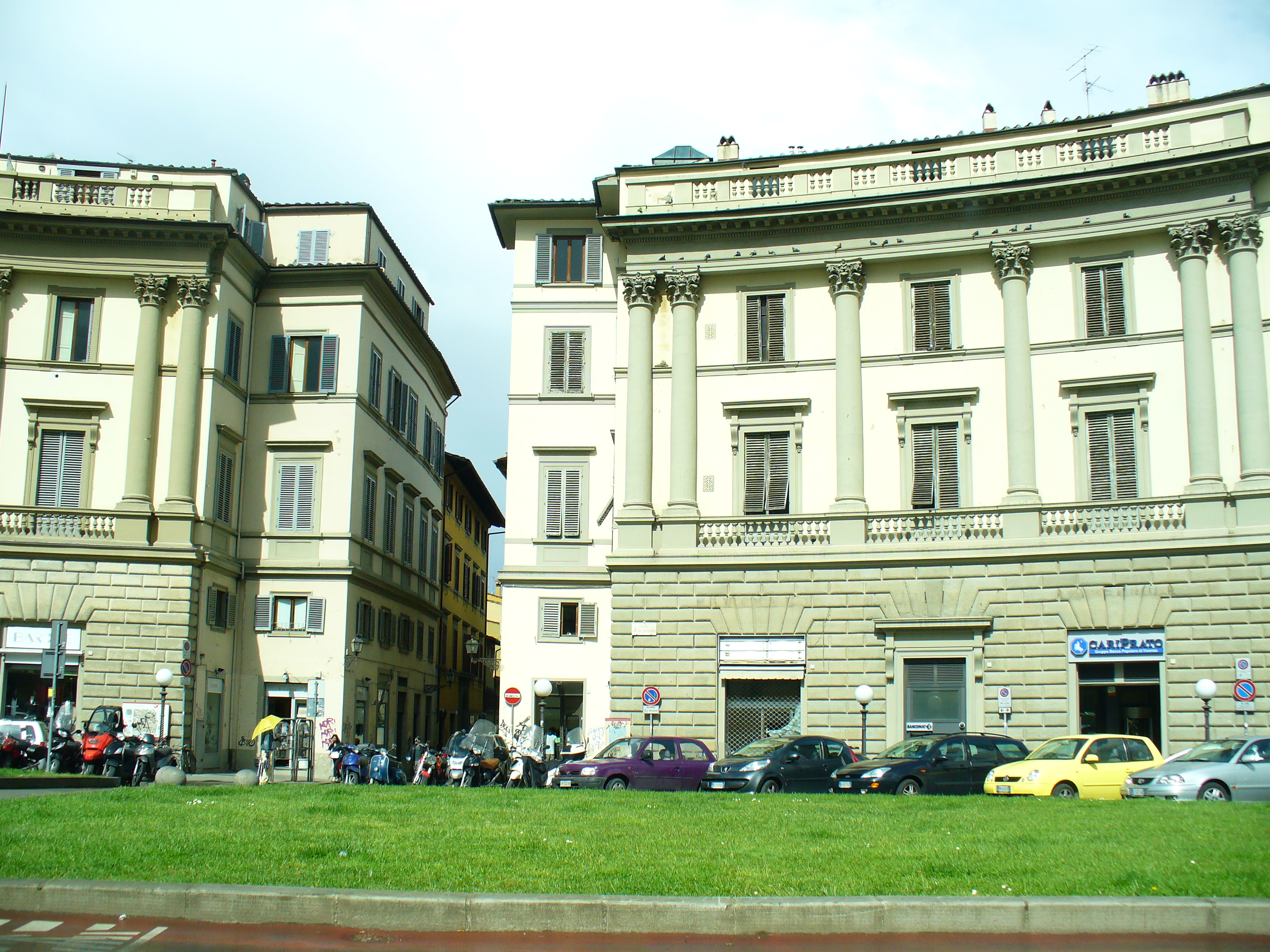 Pin synagogue in florence italy on pinterest for Piazza beccaria