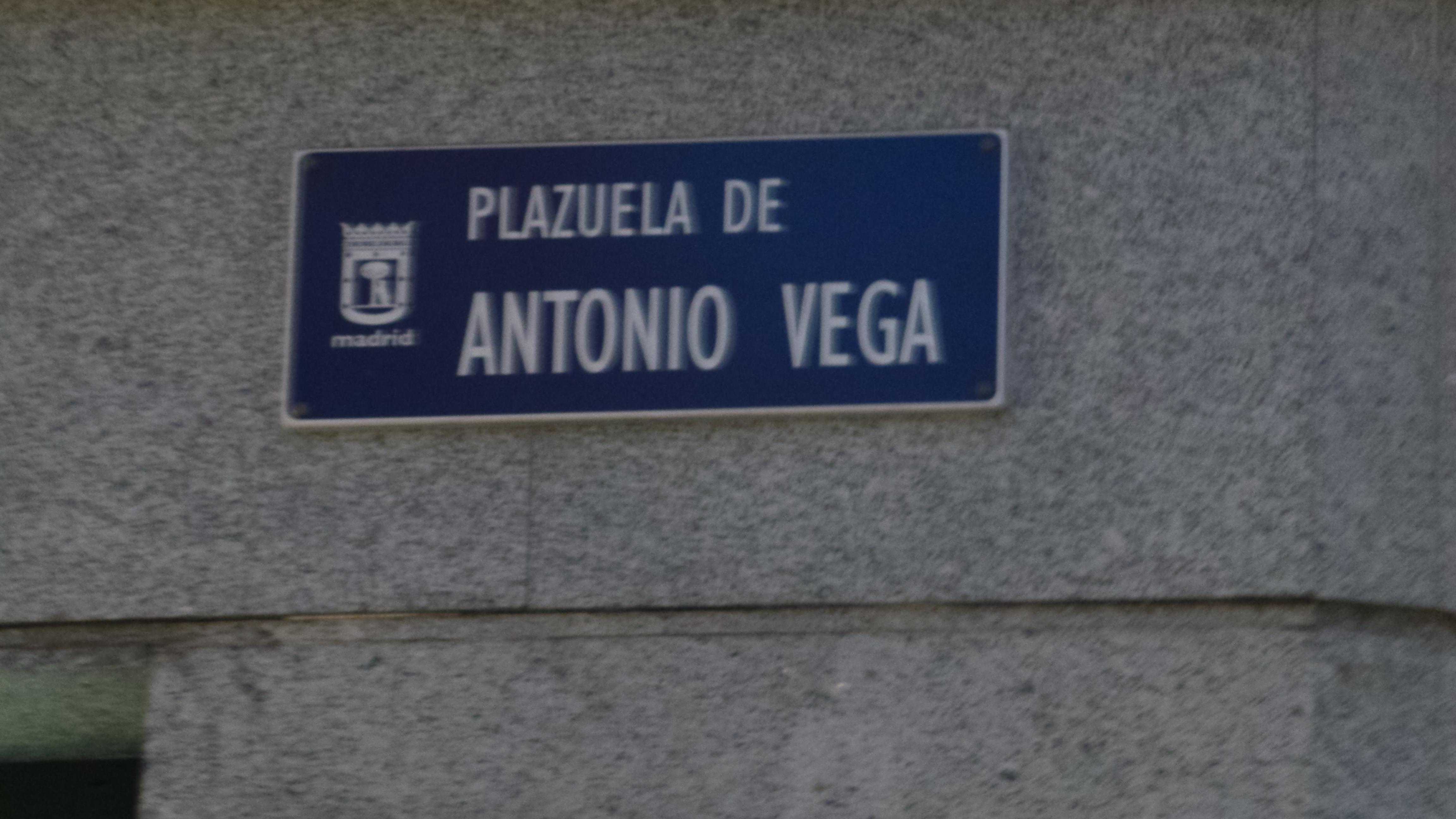 Plazuela de Antonio Vega. Inaugurada en 2011 en el Barrio de Malasaña de Madrid