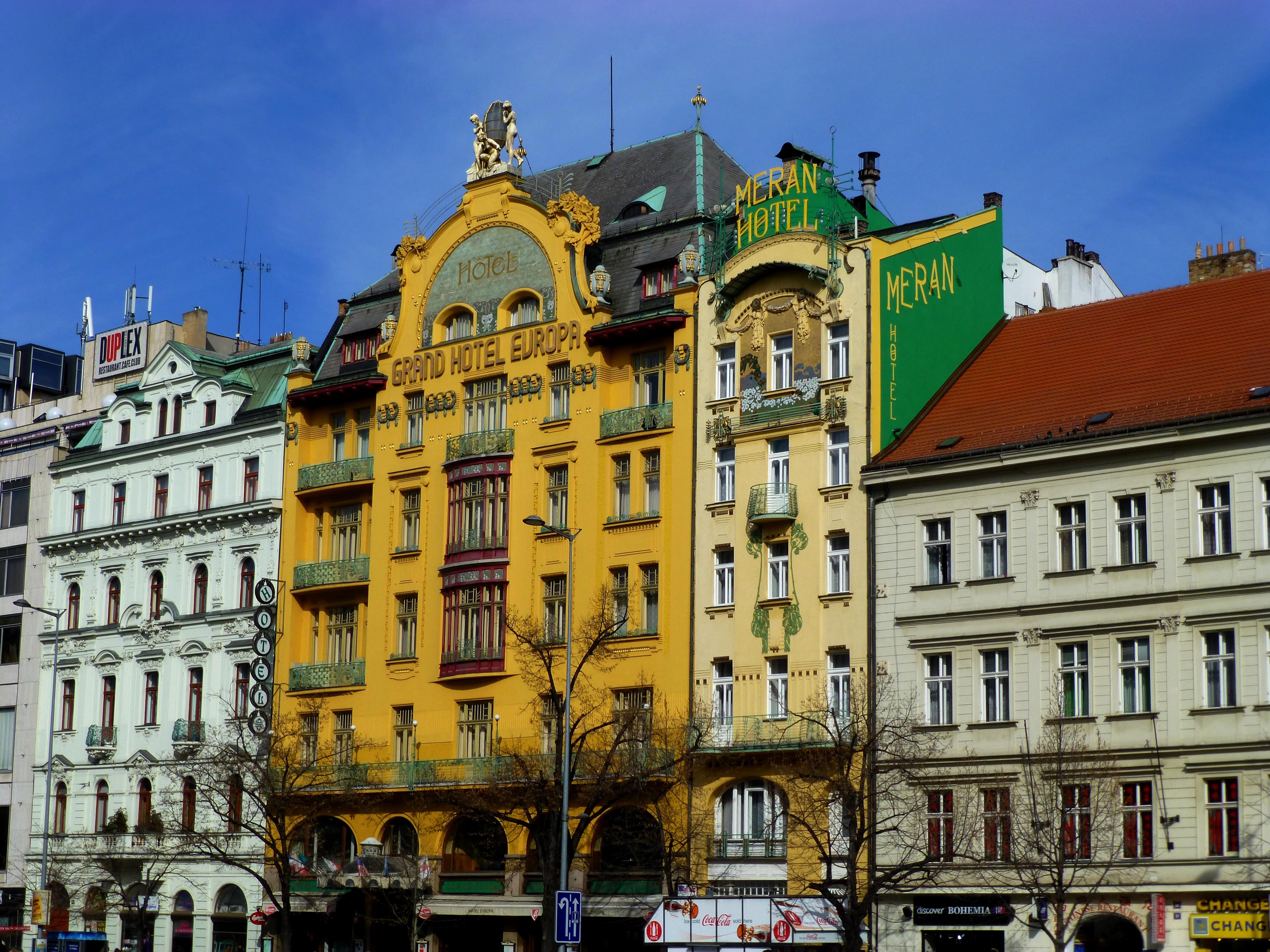 File Prag Grand Hotel Europa Und Meran Hotel Am Wenzelsplatz Vaclavskem Namesti Panoramio Jpg Wikipedia