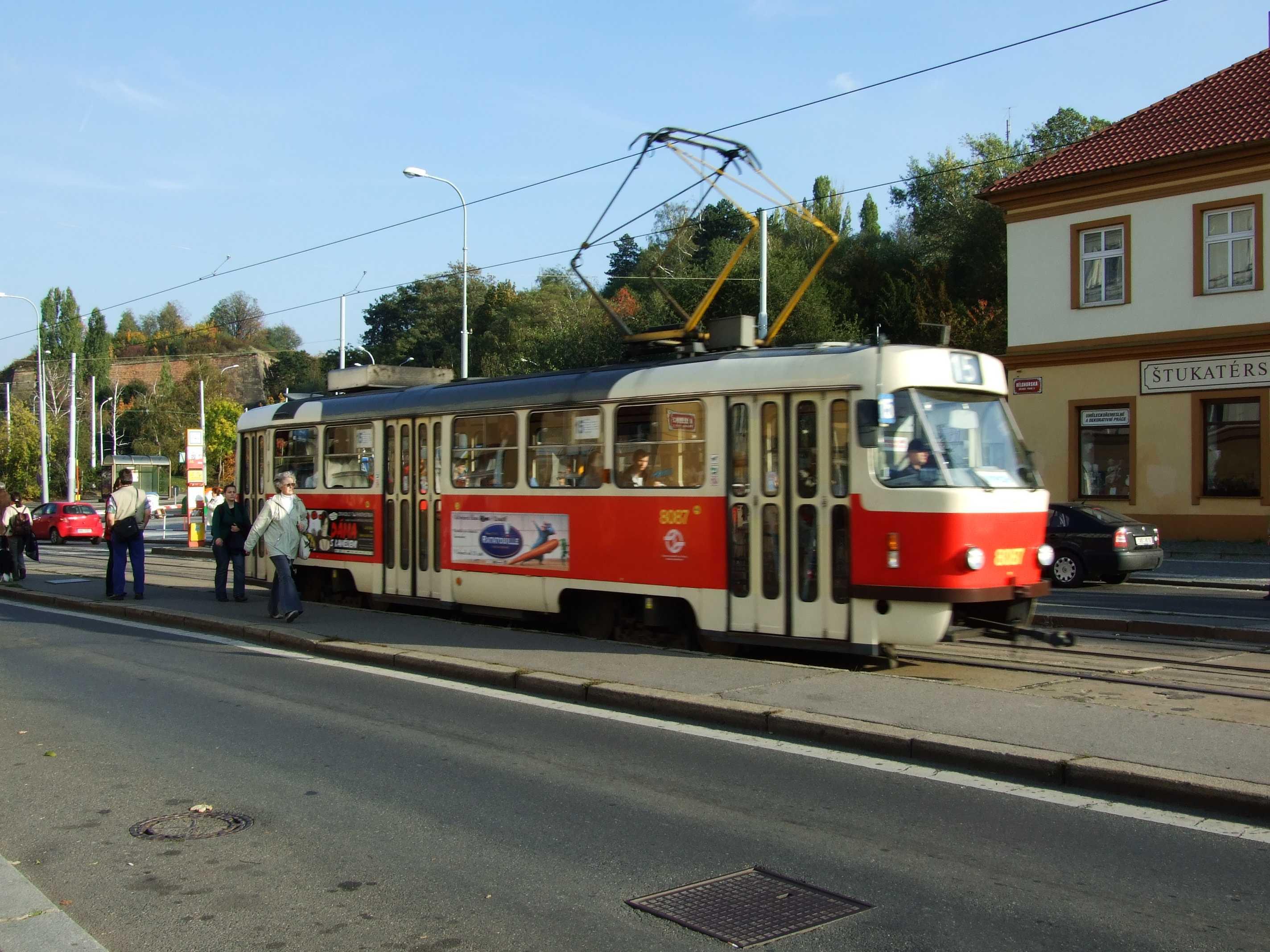 file praha břevnov malovanka tramvaj t3 jpg original file