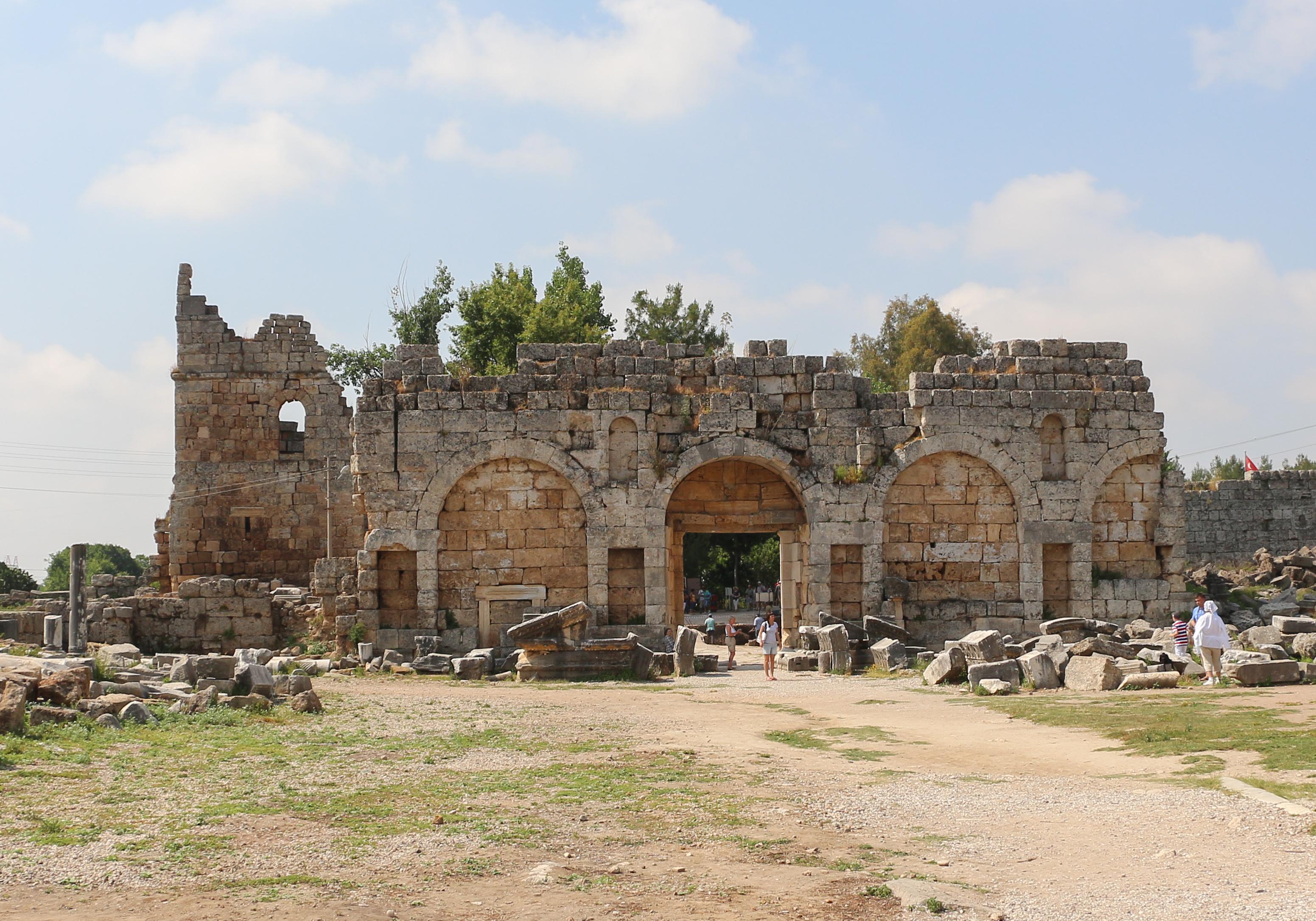 Αποτέλεσμα εικόνας για Roman gate of ancient perge