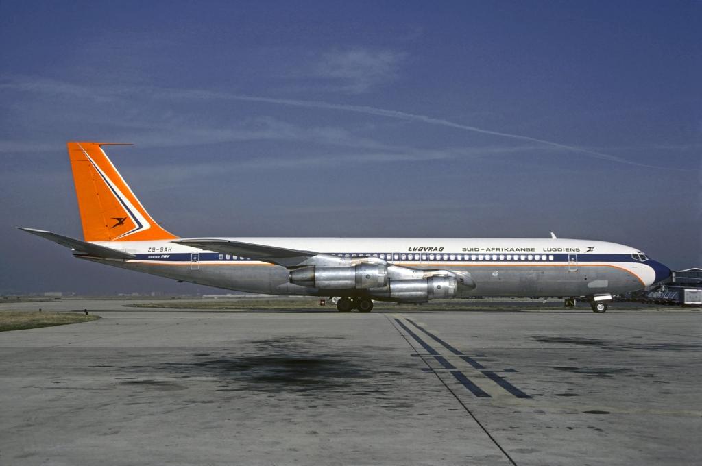 SAA Cargo Boeing 707 South African Airways through the