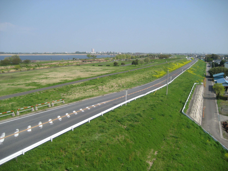 file sano koga line along watarase retarding pond saitama prefecture