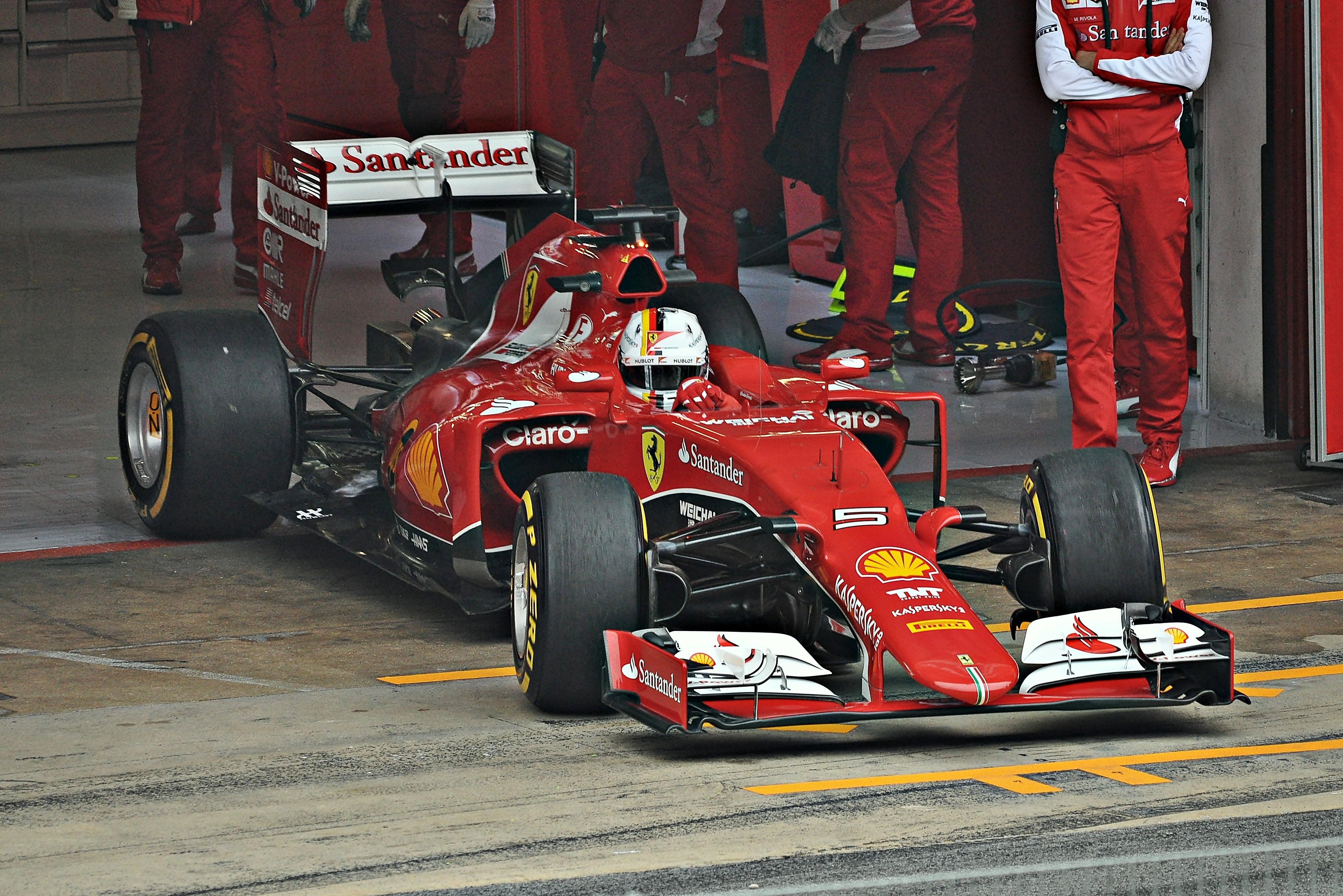 File Sebastian Vettel Ferrari 2015 2 Jpg Wikimedia Commons