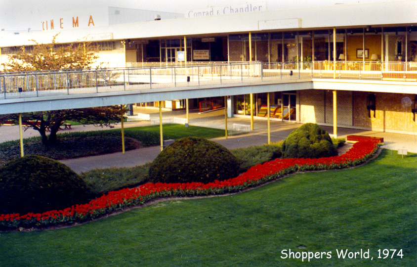 It's still named the Framingham Mall even though there isn't an indoor mall anymore, and it's really just an outdoor shopping center.3/5(1).