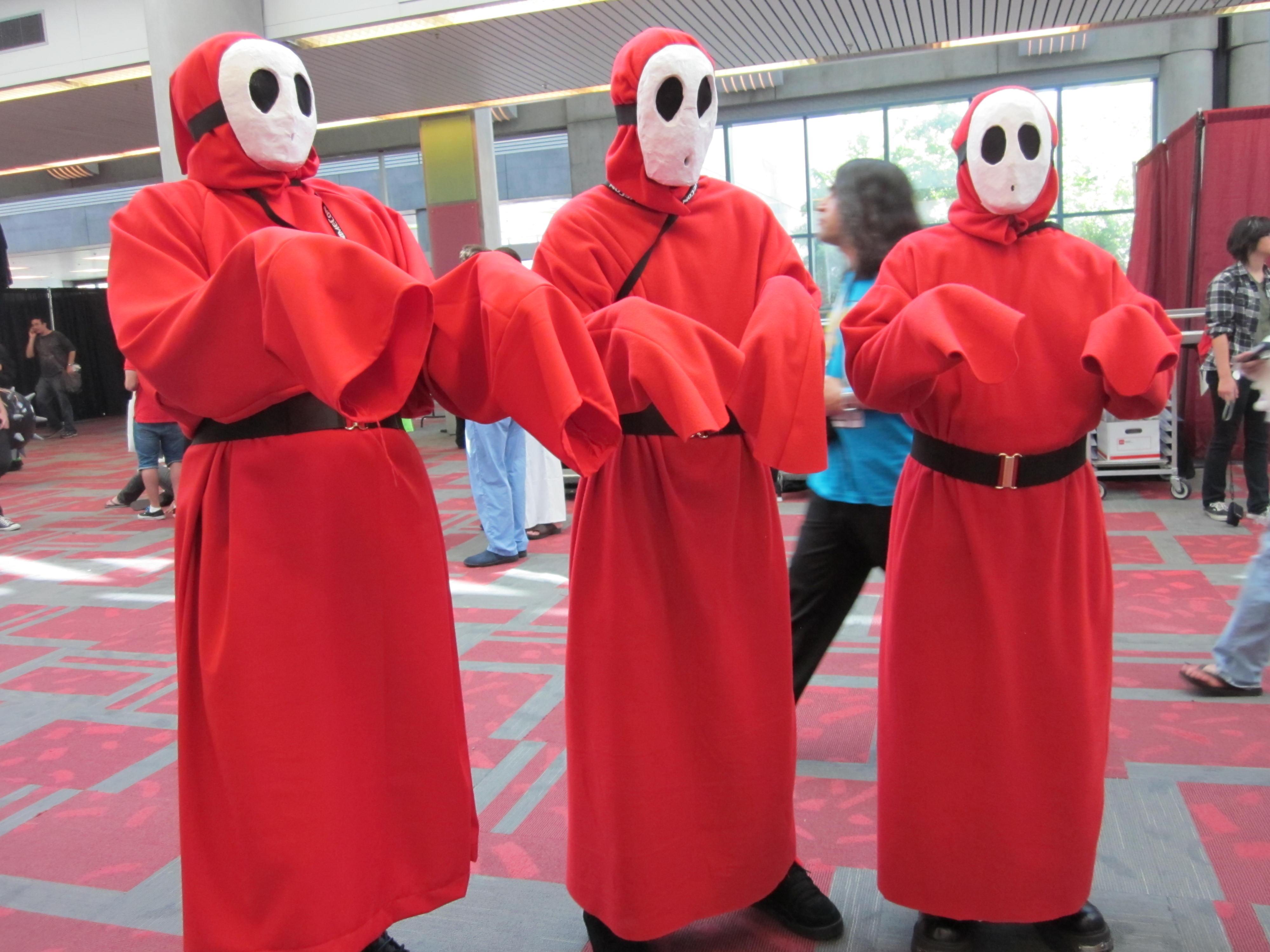 File:Shy Guy cosplayers at FanimeCon 2010-05-30 1.JPG - Wikimedia Commons