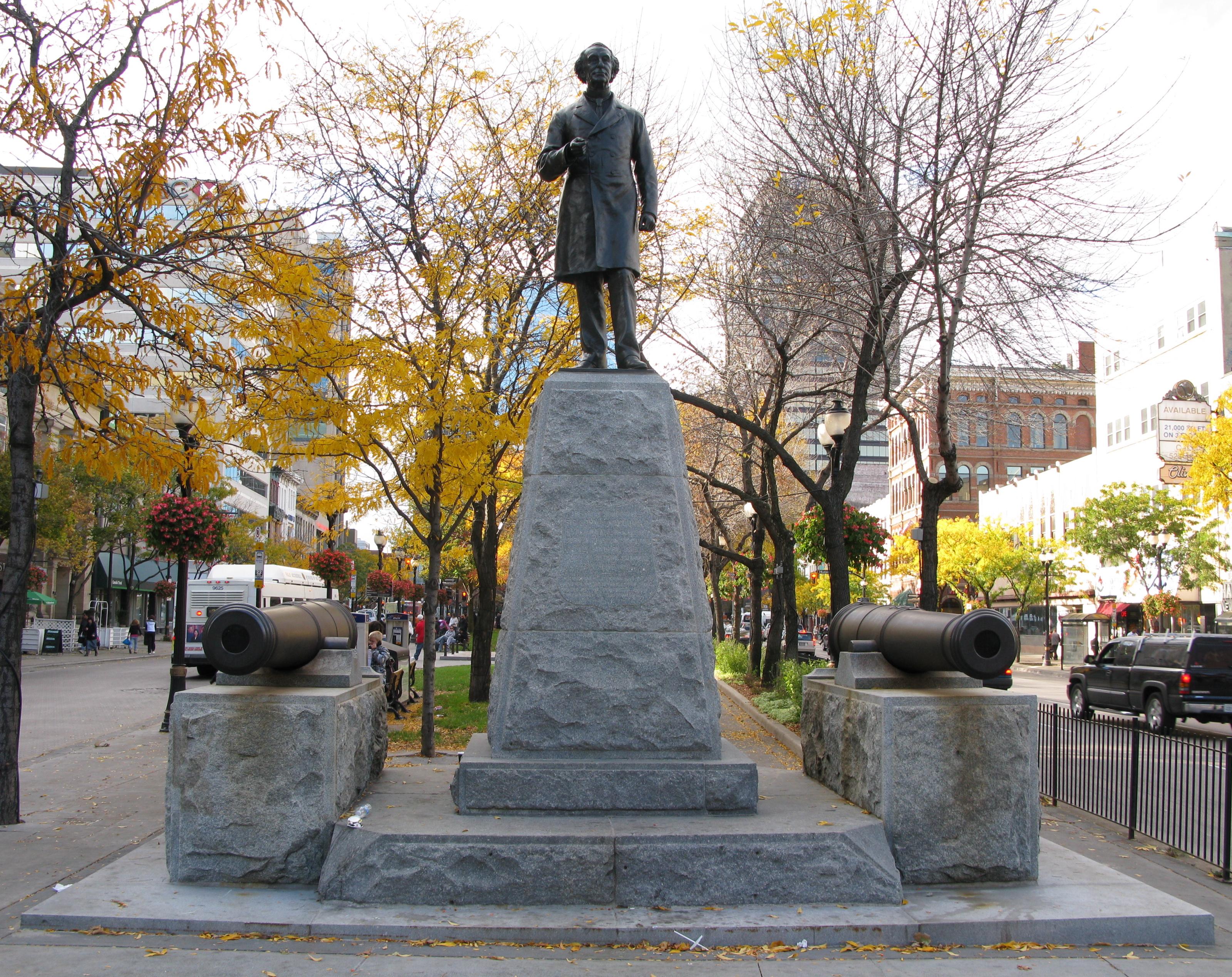 filesir john a macdonald statue in gore park hamilton