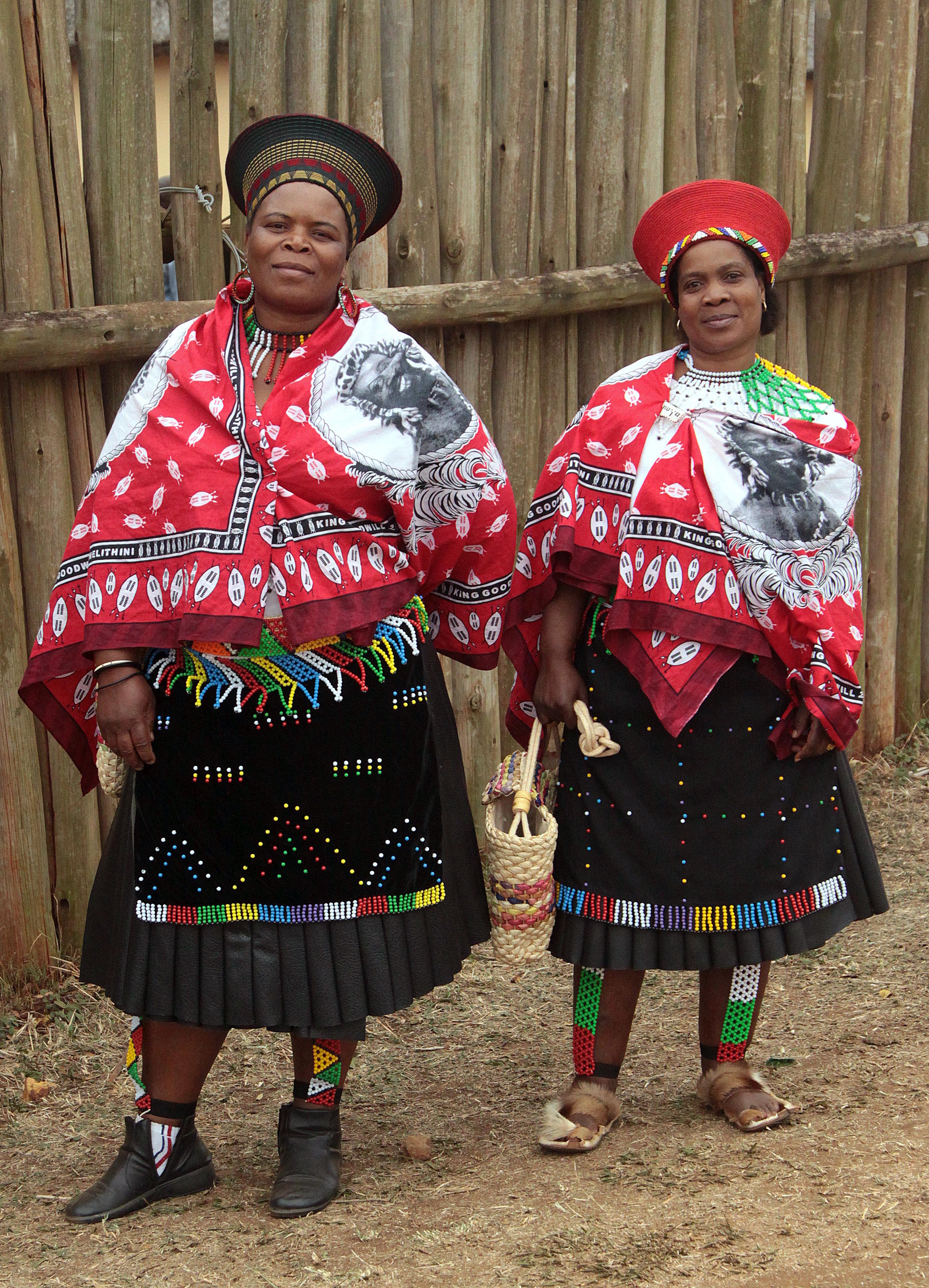 также может африканские костюмы фото откуда появилось
