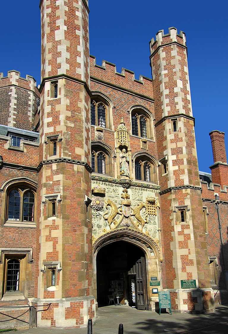 StJohnsCambridge Gatehouse02.jpg