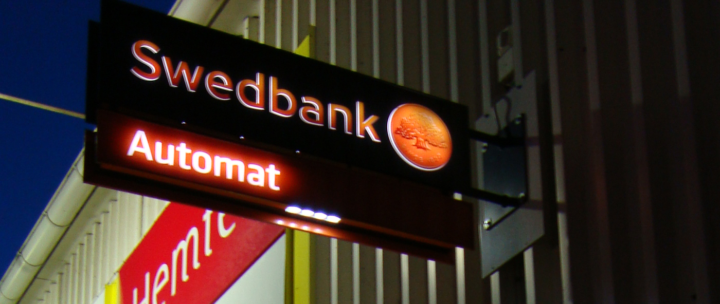 http://upload.wikimedia.org/wikipedia/commons/d/d7/Swedbank_Automat.jpg