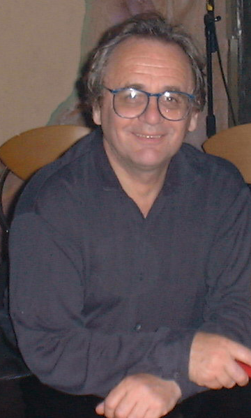 Tiedosto:Sylvester McCoy.png