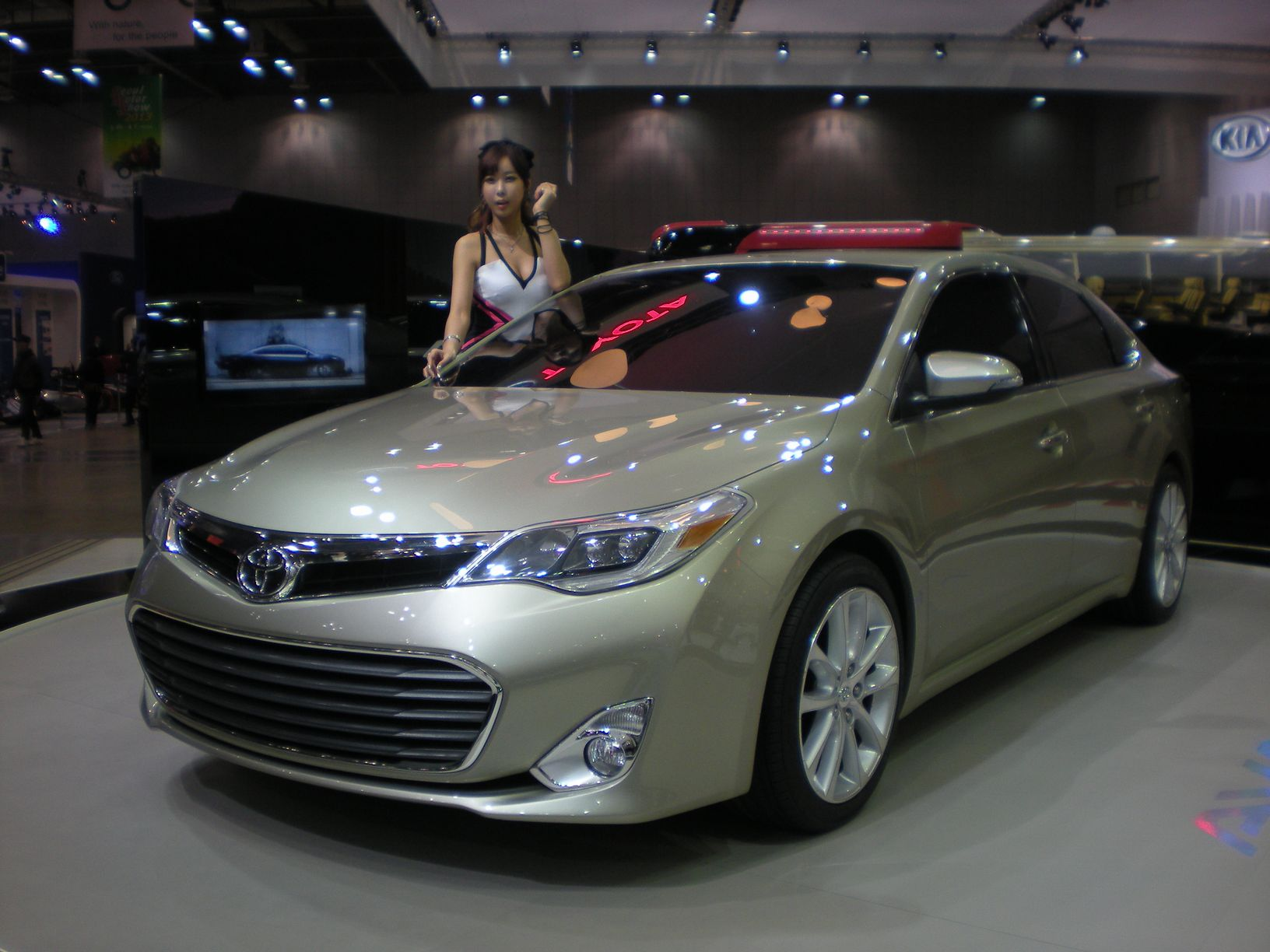 2013 Toyota Avalon Reviews and Rating | Motor Trend